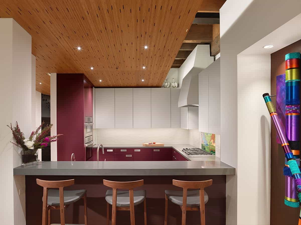 2017 Beautiful Family Kitchen With Two Toned Cabinets In Contemporary Flat Design (Photo 19 of 26)