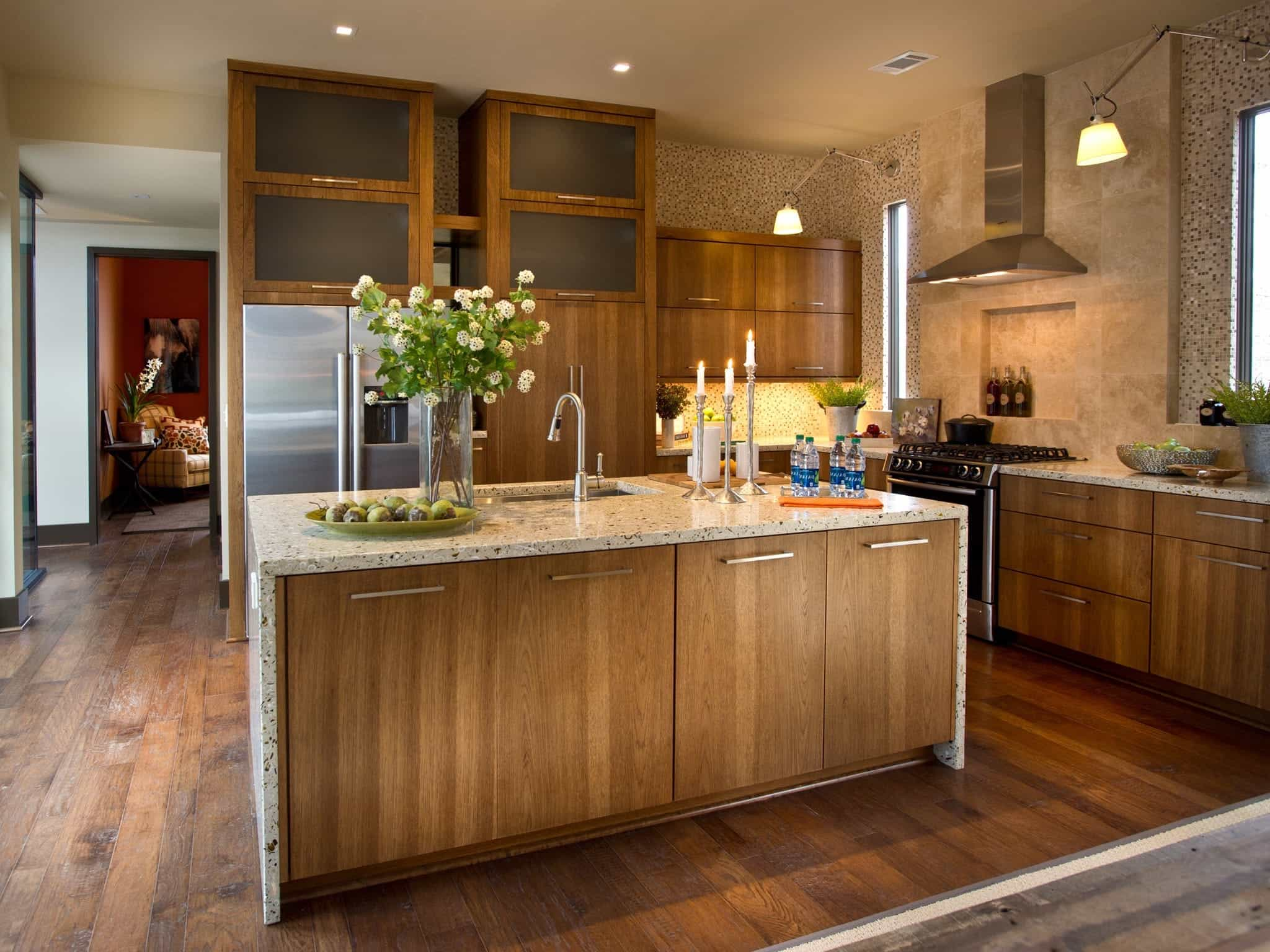 2017 Contemporary Kitchen With Hickory Cabinets (Photo 22 of 26)