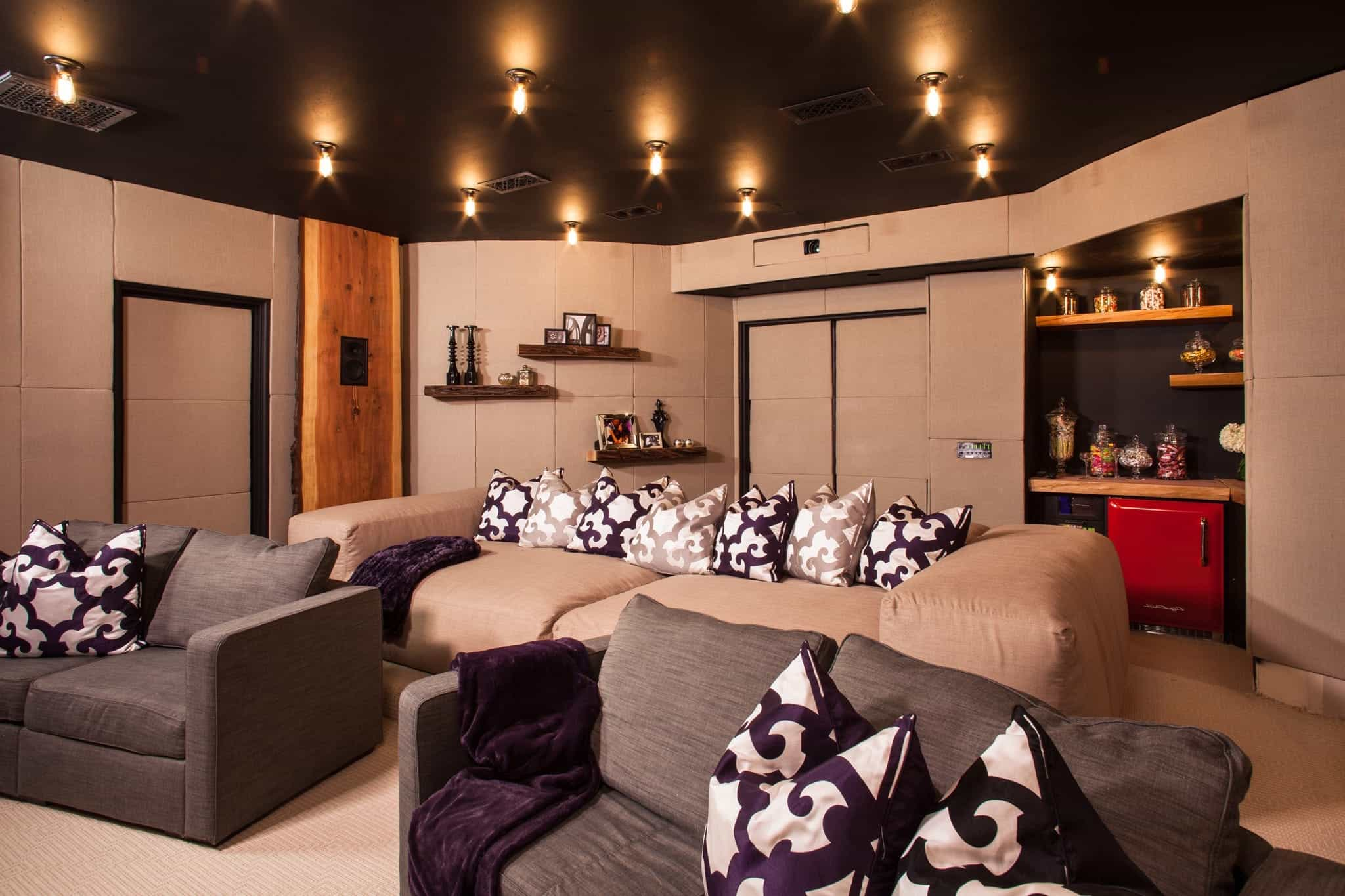 2017 Cool Modern Home Theater Interior Decor (Image 1 of 21)