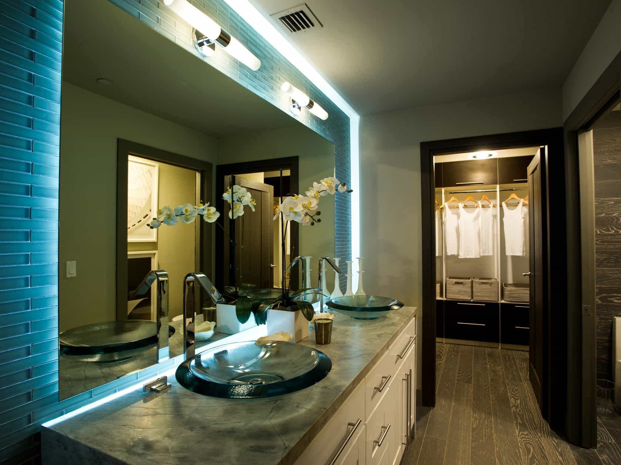 Bathroom Vanity And Mirror With Dramatic Lighting (Image 3 of 20)