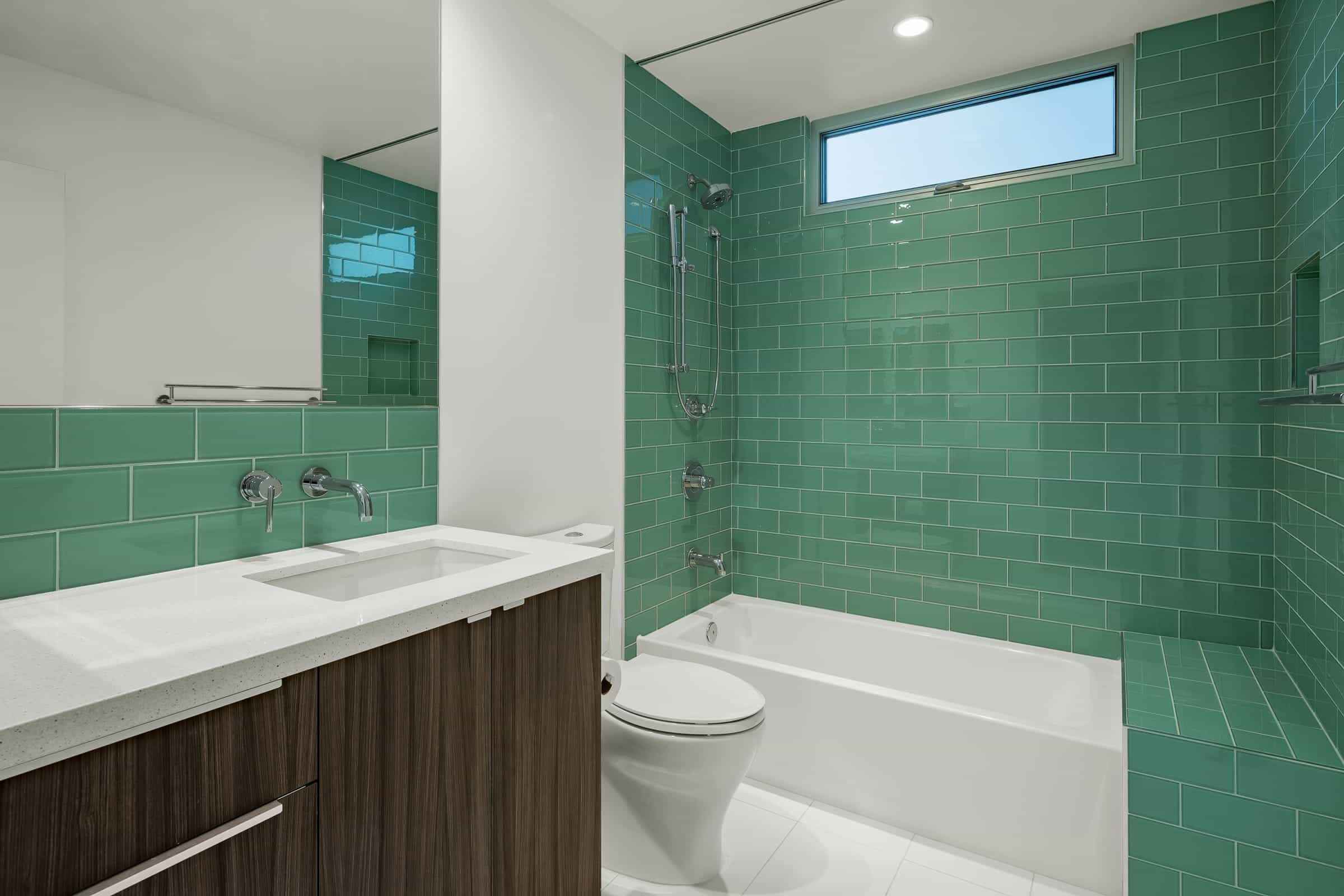Beauty Bold Modern Bathroom With Green Turquoise Glass Tiles (Image 2 of 12)