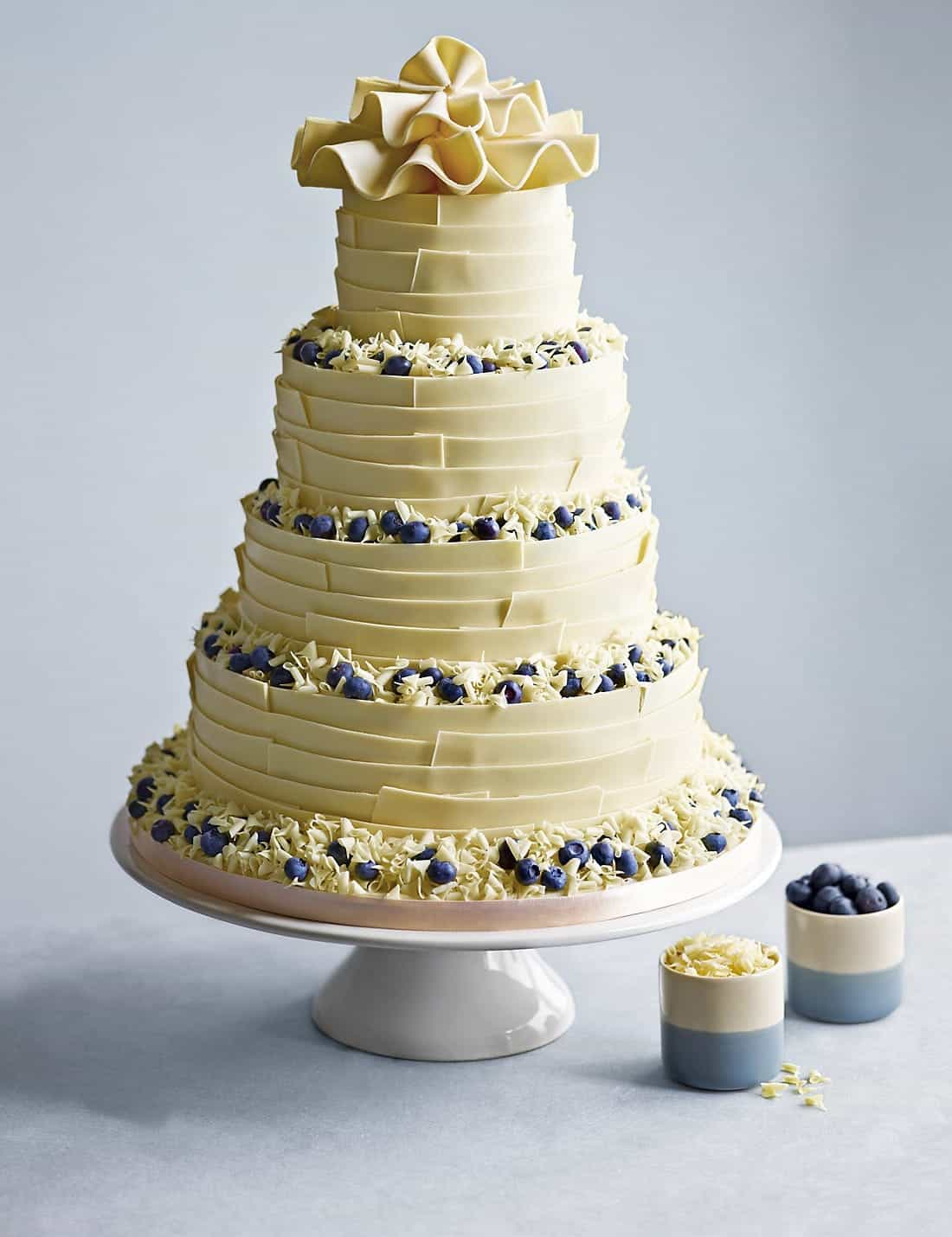 wedding cake for 30 guests 30 delicious and gorgeous chocolate wedding cakes 19509 22703