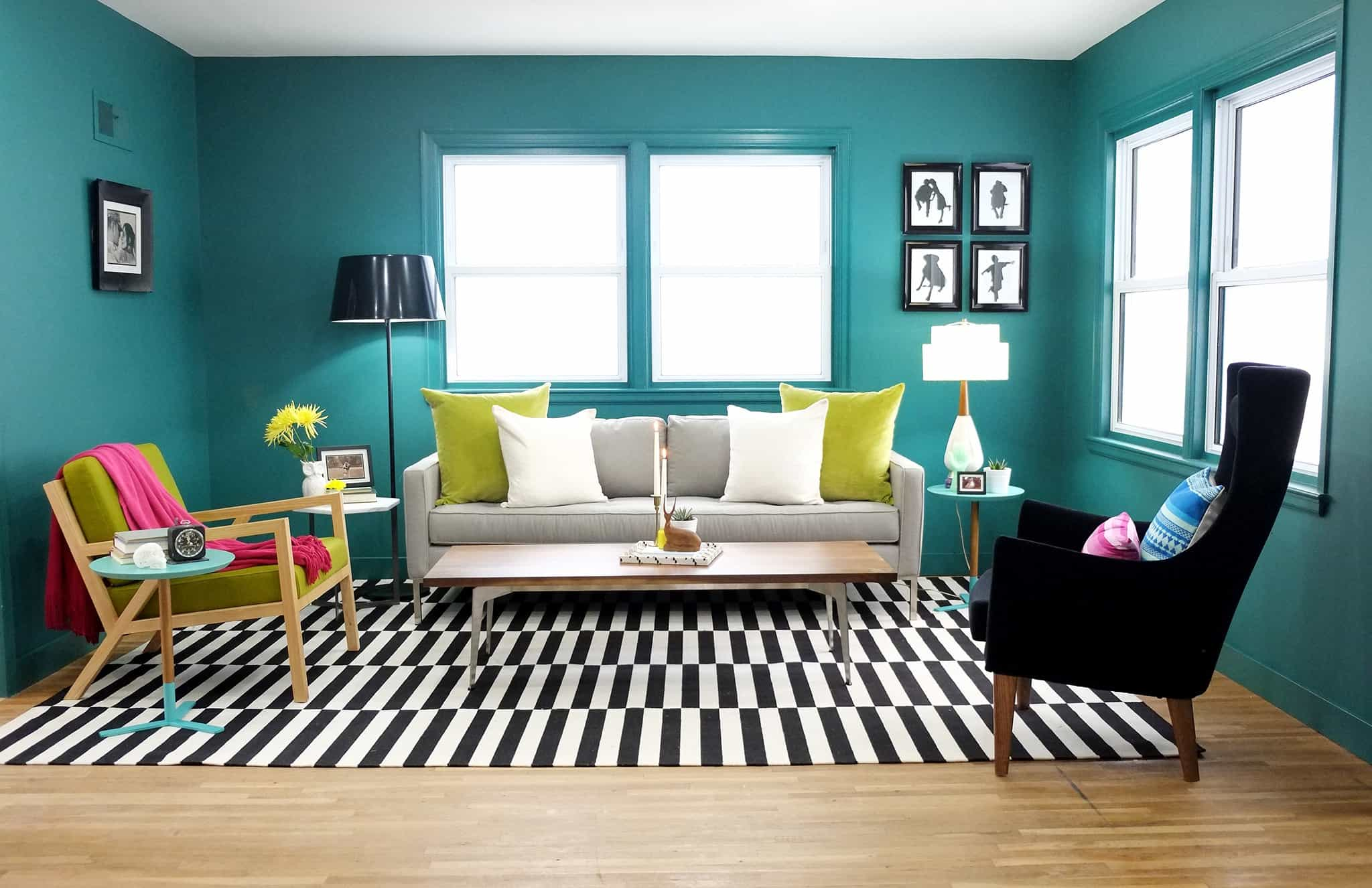 Black And White Rug For Trendy Living Room Decor (View 27 of 28)