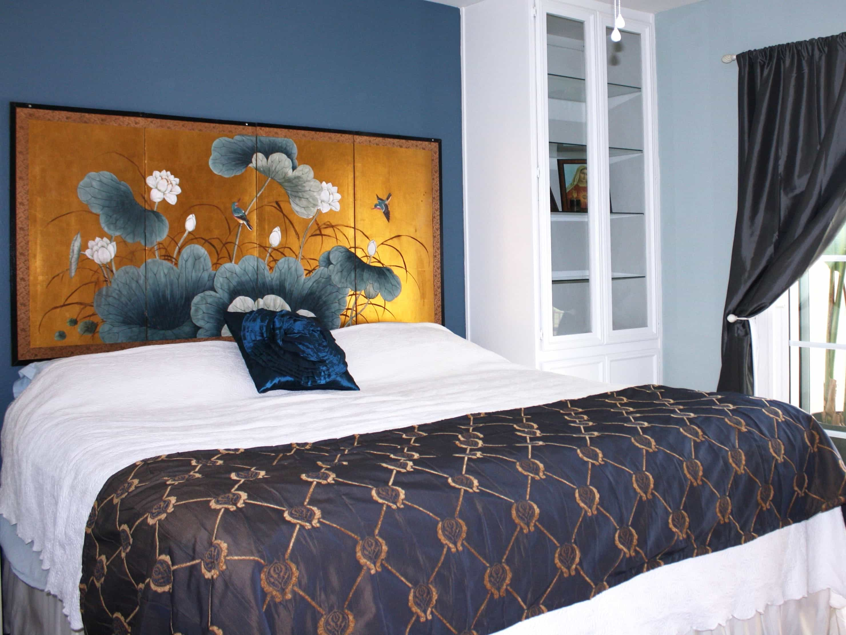 Brightly Colored Turquoise And Coral Asian Inspired Bedroom (Image 11 of 32)