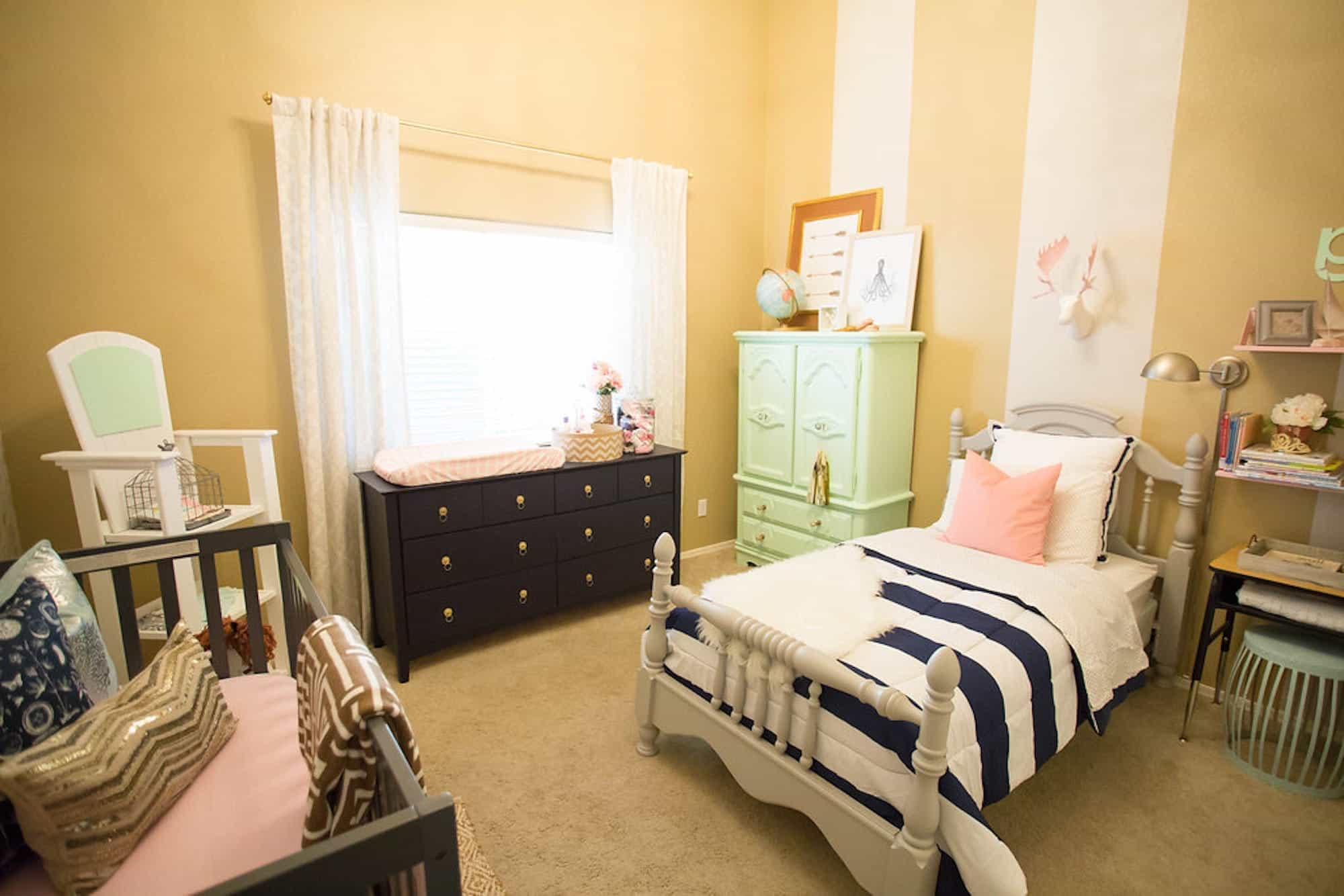 Chic Toddler Room And Nursery Combination Idea (Image 5 of 27)