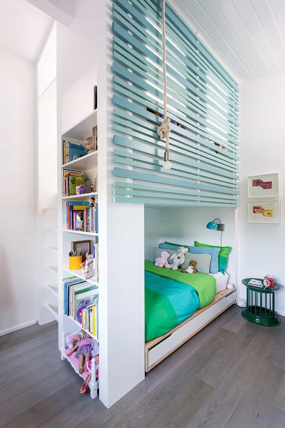 Children's Bunk Bed With Bookcase Built In (Image 8 of 27)