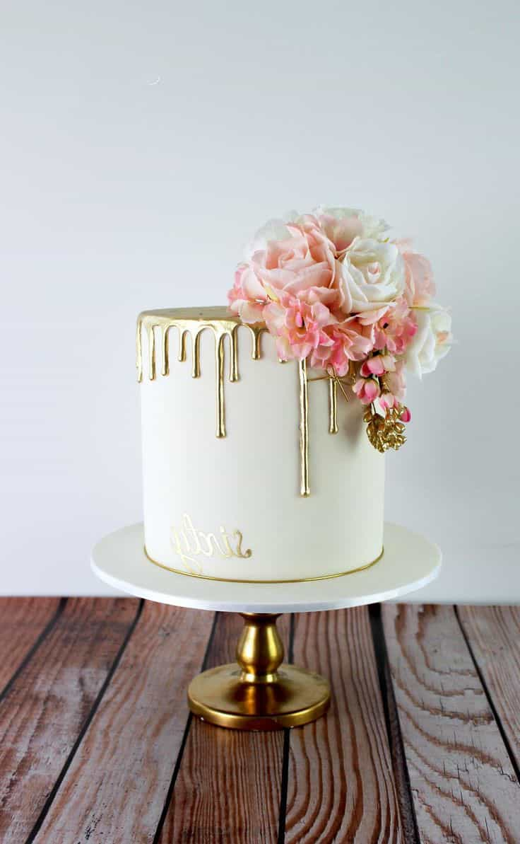 Classy And Elegant Golden Wedding Cake (Image 2 of 10)