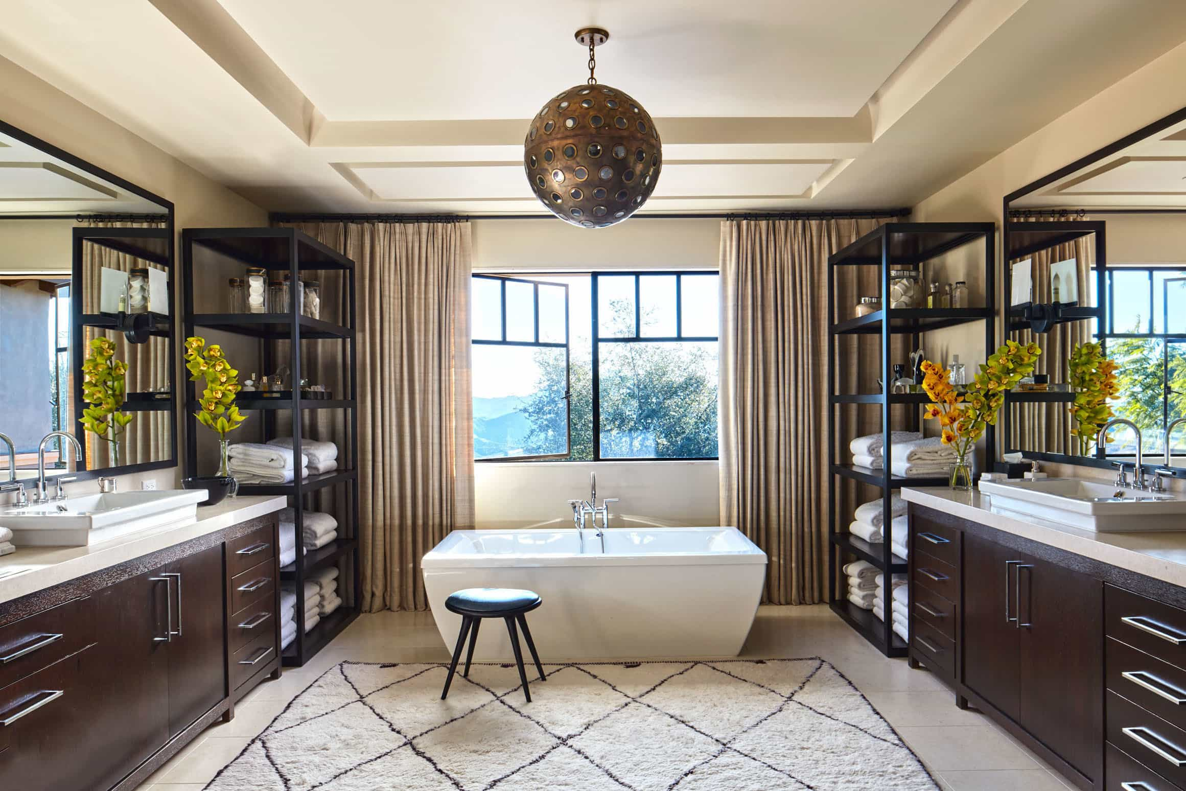 Contemporary Celebrity Inspired Bathroom Interior (Image 9 of 20)