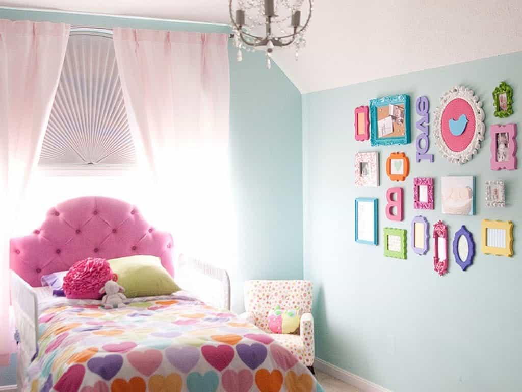 Cute Nursery Kid Room With Wall Art Galleries (Image 13 of 27)