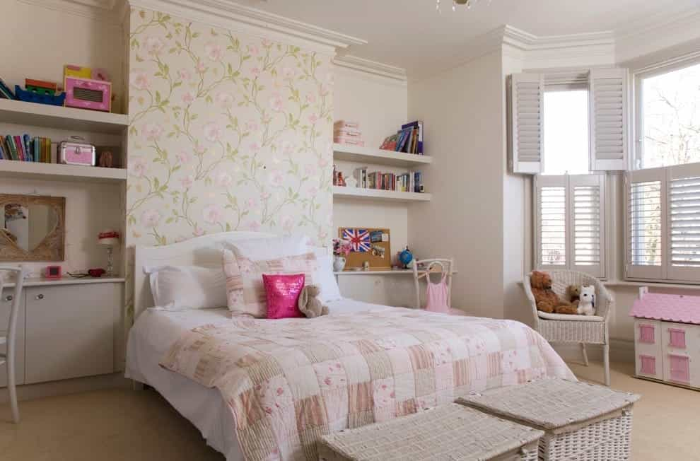 Elegant Kids Bedroom Photo For Girls With Carpet And White Walls (Image 14 of 27)