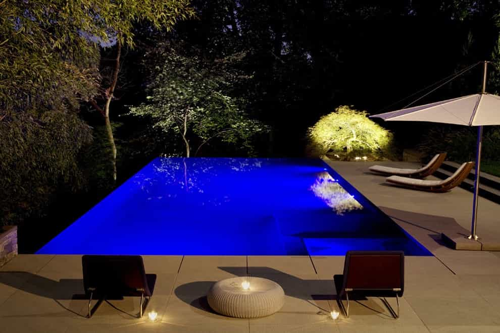Example Of A Minimalist Infinity Pool Design With Beautiful Lighting (Image 11 of 25)