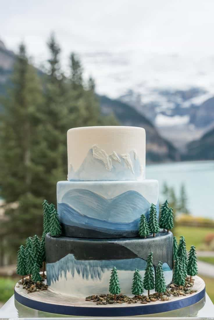 Fresh Nature Wedding Cake (Image 2 of 5)