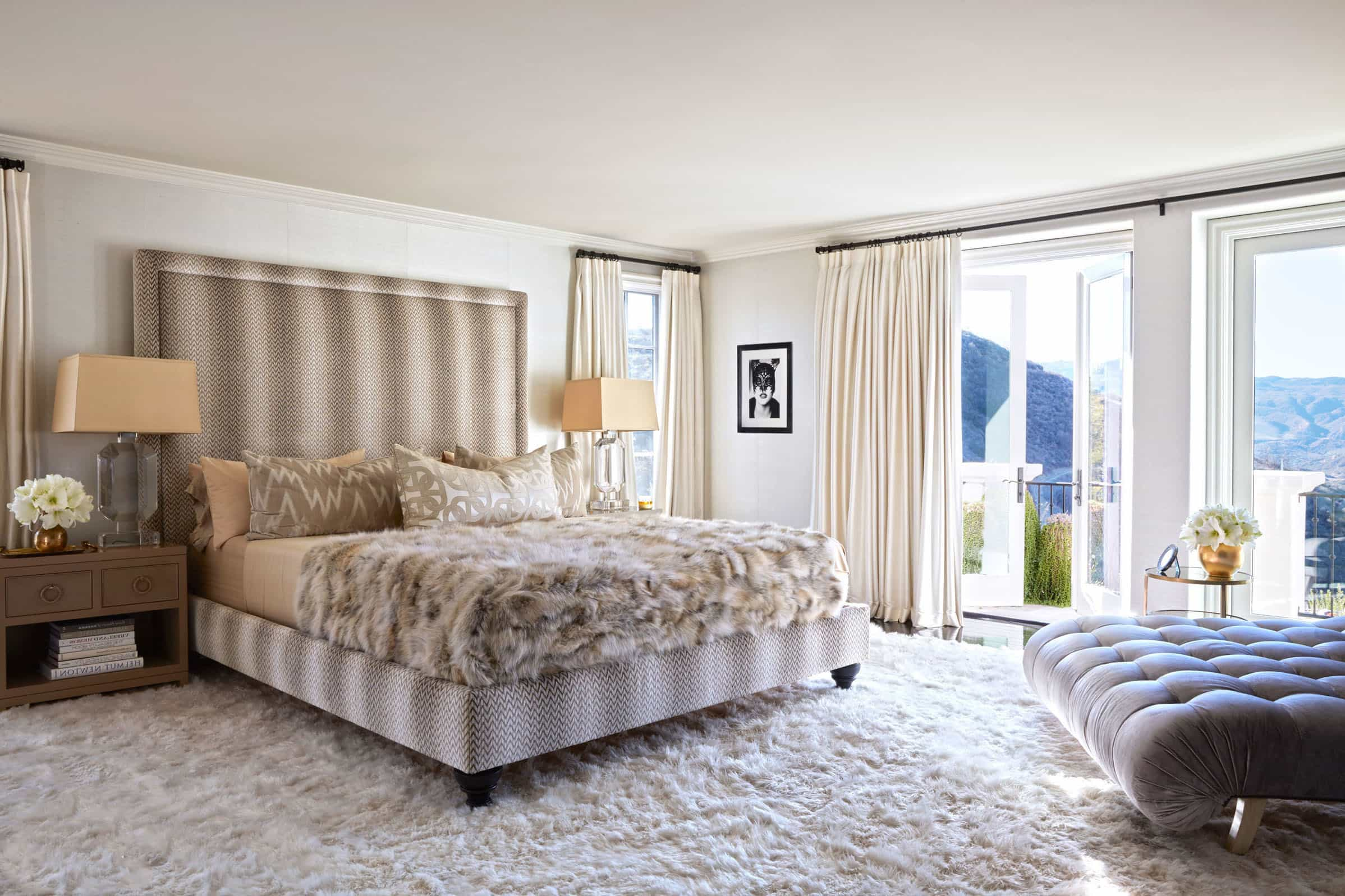 Glamour Celebrity Inspired Bedroom Design (Image 13 of 20)