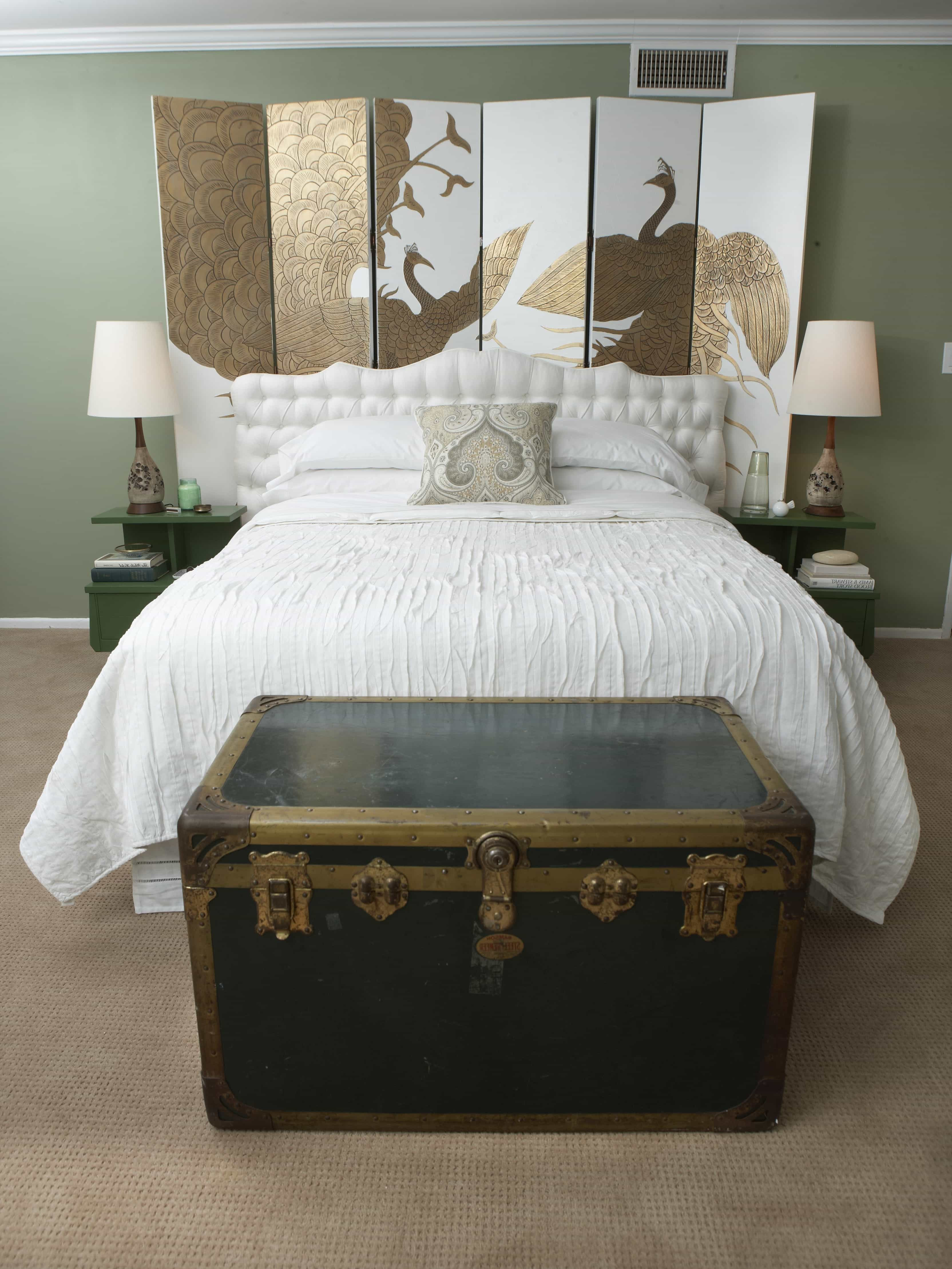 Green Bedroom With Asian Accents (Image 18 of 32)
