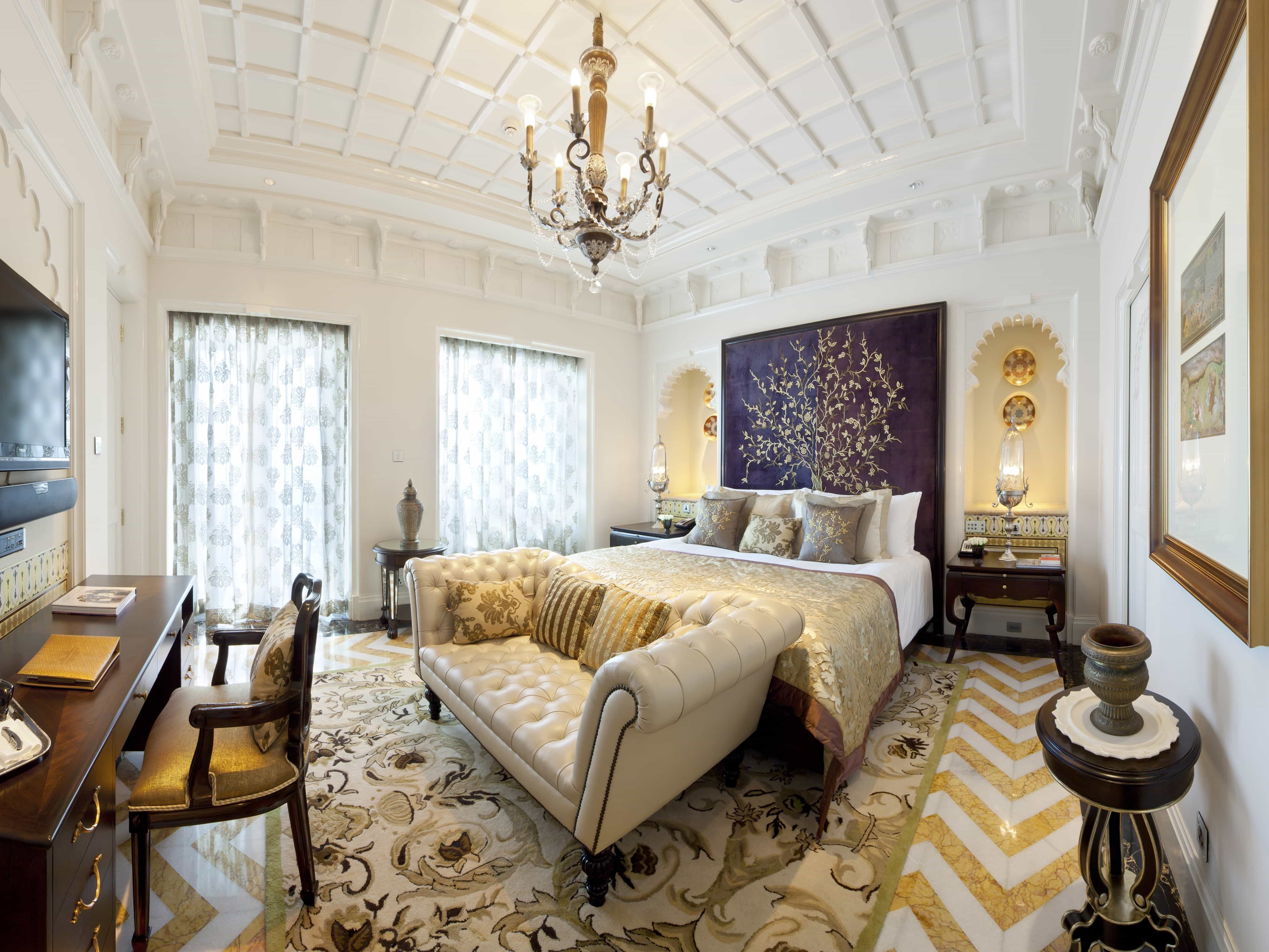 Luxury Bedroom Decoration In Classic Style  (Image 17 of 28)