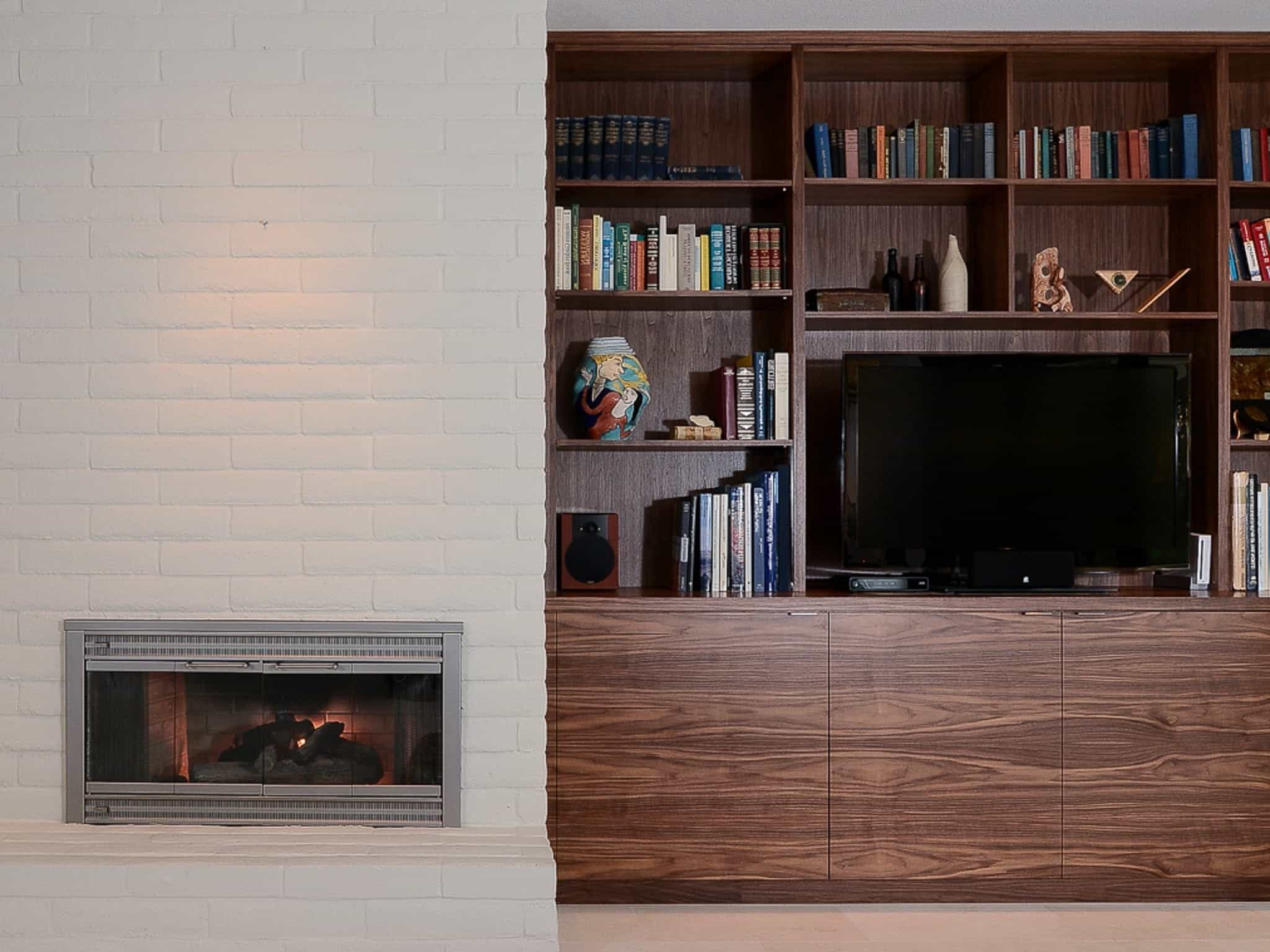 Modern Built In Flat Cabinet And Bookshelf (View 7 of 10)