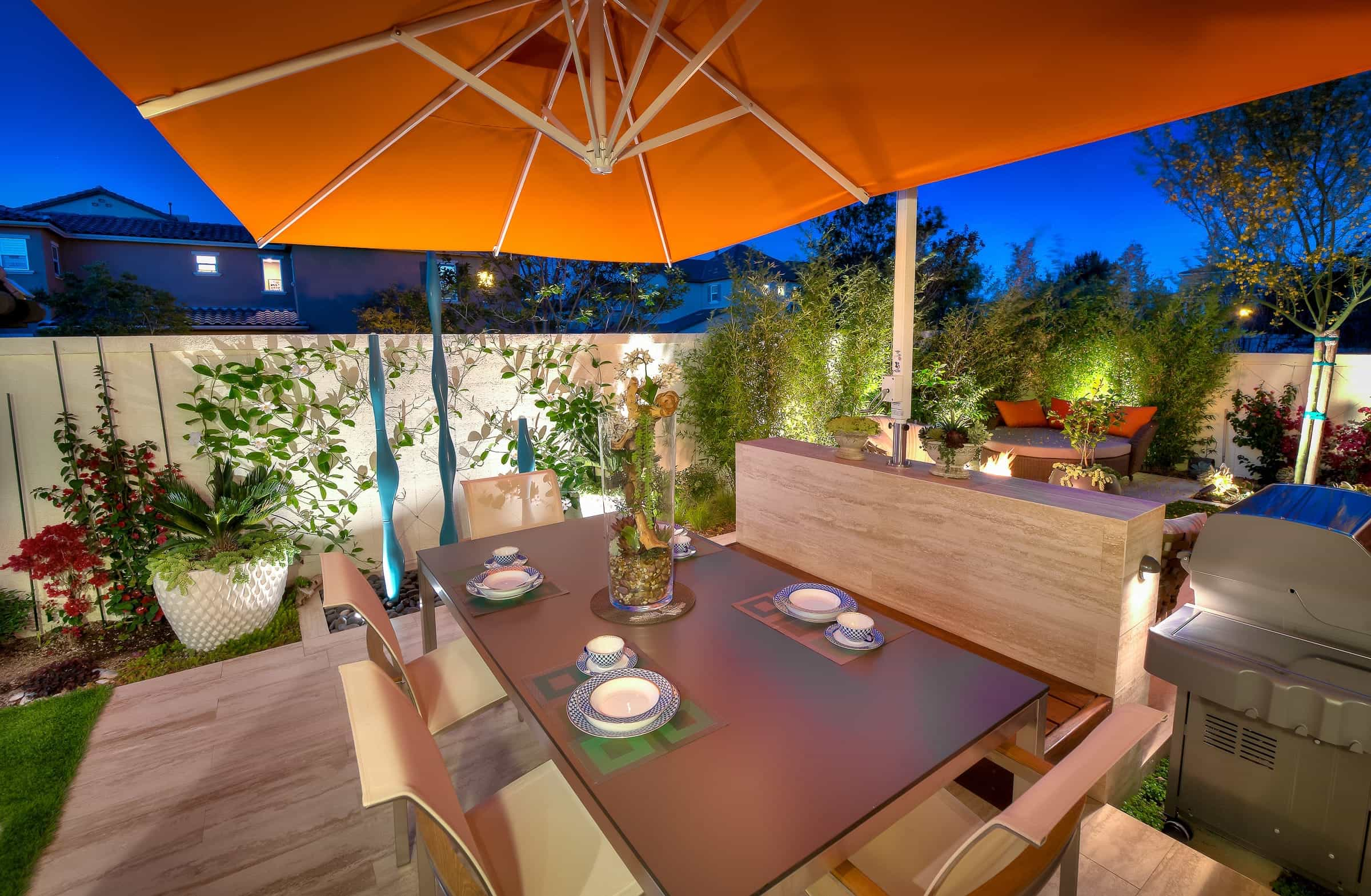 Modern Giant Umbrella Recover For Romantic Backyard Dinner (Image 4 of 8)