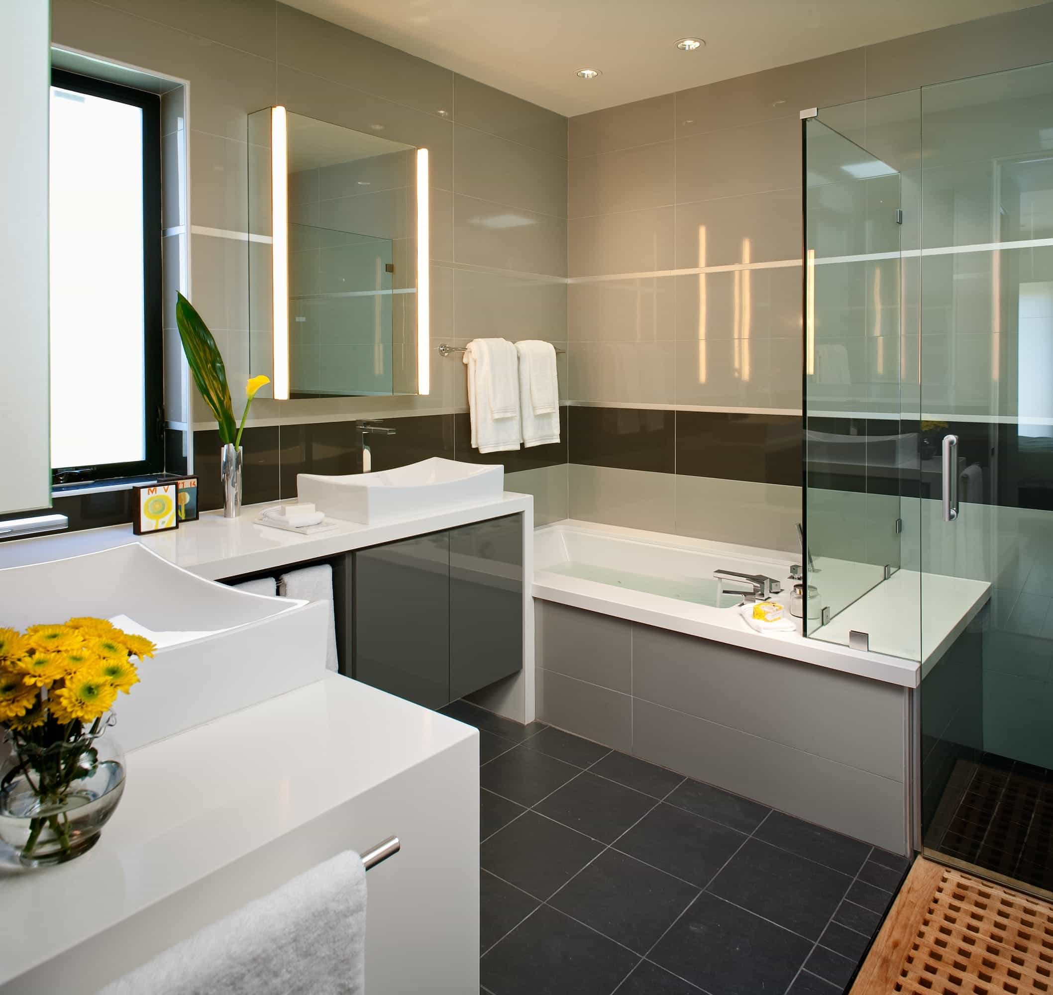 Neutral Modern Bathroom With Gray Floor (Image 13 of 20)