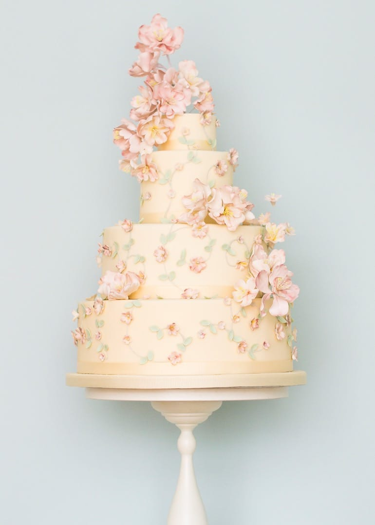 Pink Flowers Couture Wedding Cake (View 11 of 20)