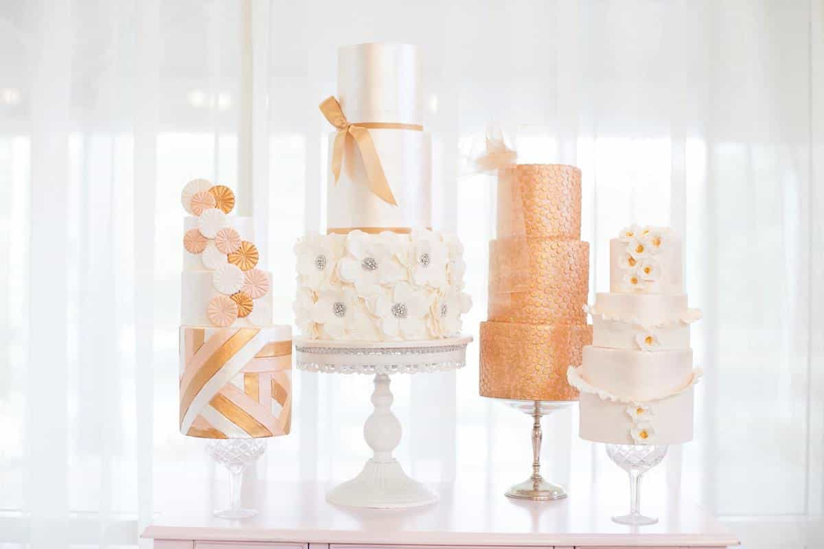 Featured Image of 10 Modern Mixed Pattern Wedding Cakes