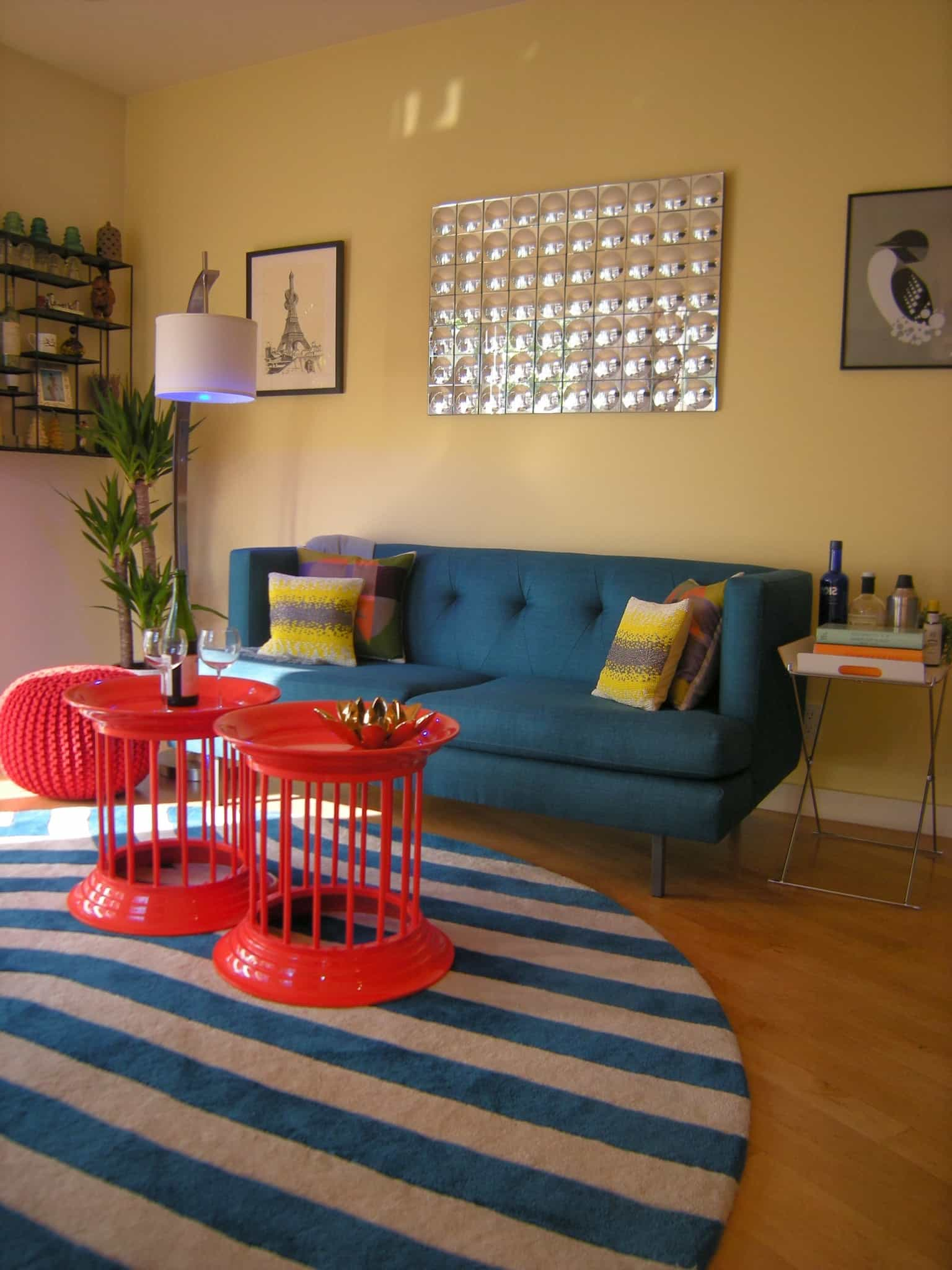 Round Striped Area Rug Placed Under Cozy Coffee Table (View 13 of 28)