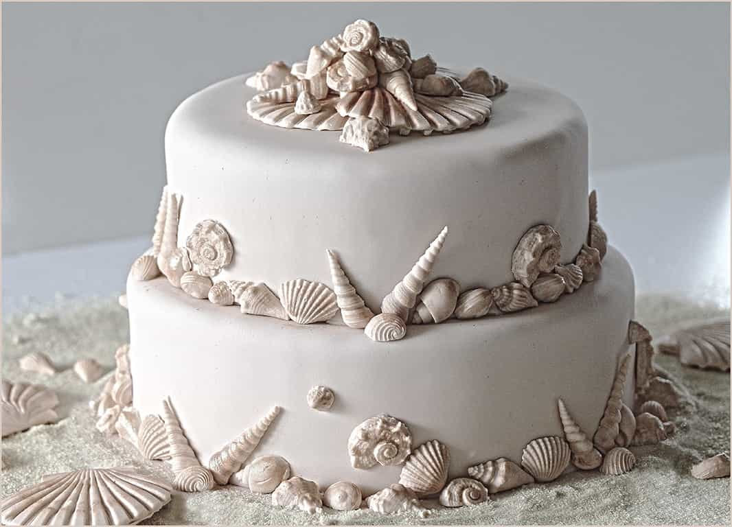 Featured Image of Ideas Of Scrumptious Seaside Wedding Cakes