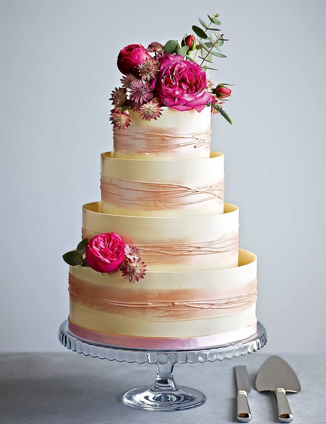 Shimmering Hoop Chocolate Wedding Cake With Flower Top (Image 16 of 30)