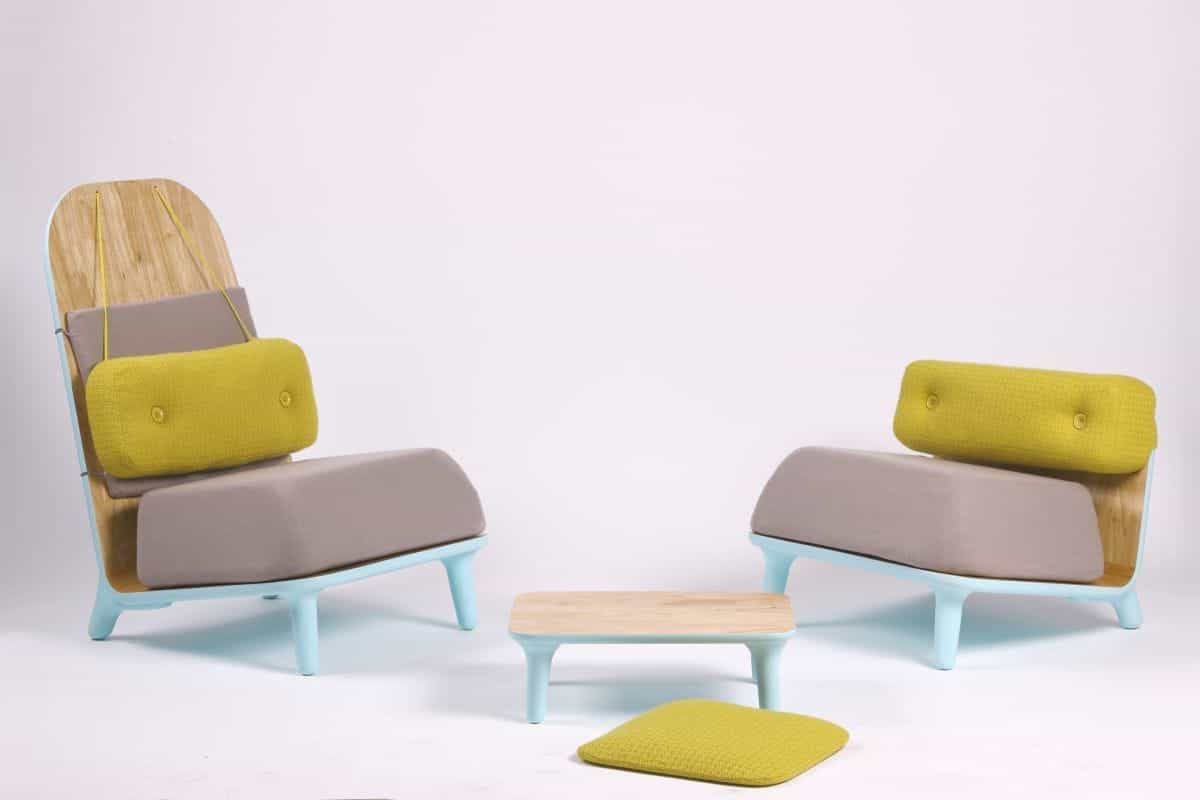 Unusual Fashionable Living Room Chairs And Table (Image 9 of 15)