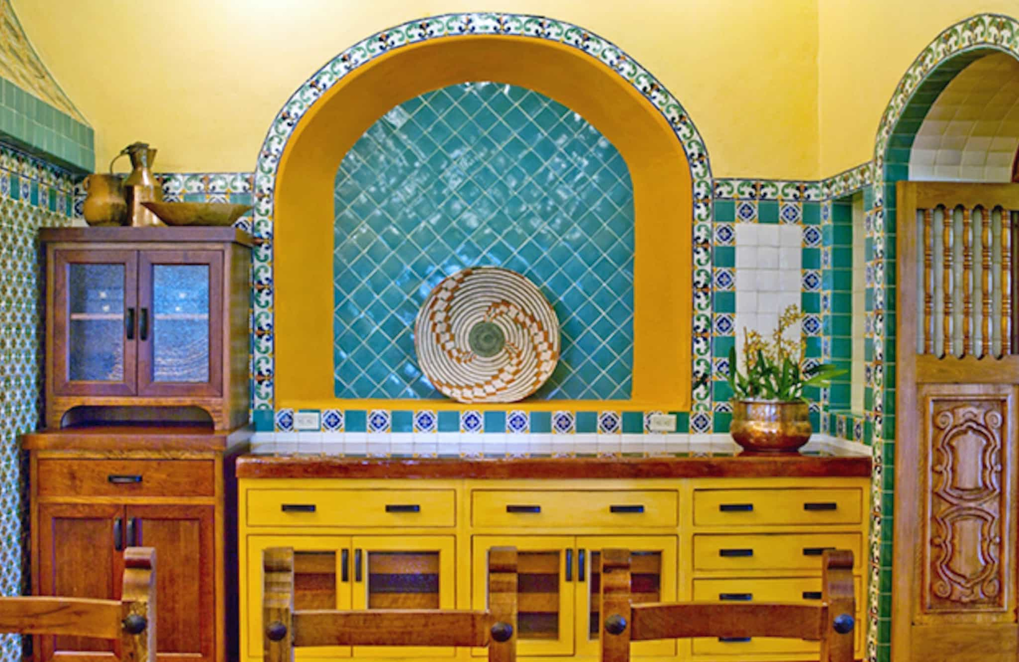 Vibrant Mexican Bathroom Vanity (Image 10 of 10)