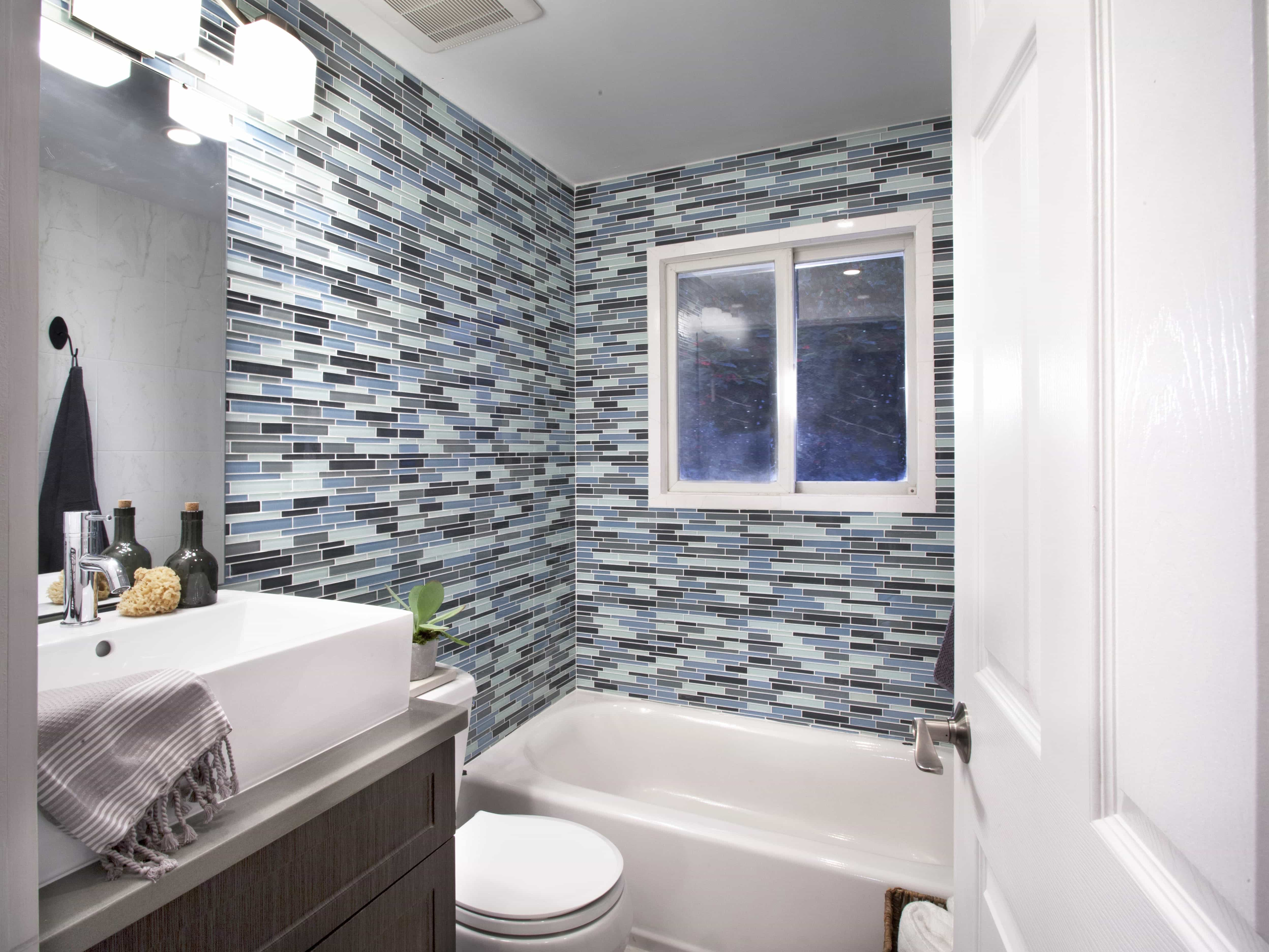 Visually Superb Bathrooms With Funky Geometric Wallpaper (View 8 of 10)