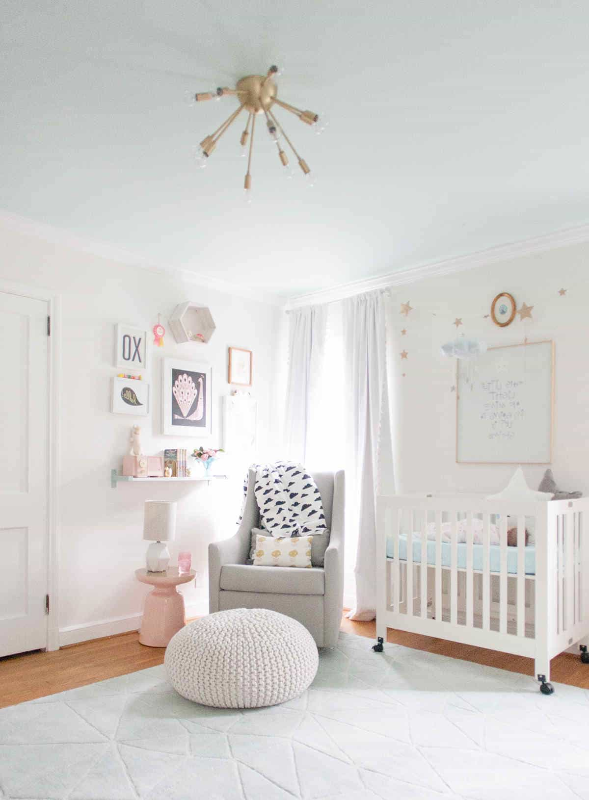 White Theme Minimalist Nursery Bedroom (Image 9 of 9)