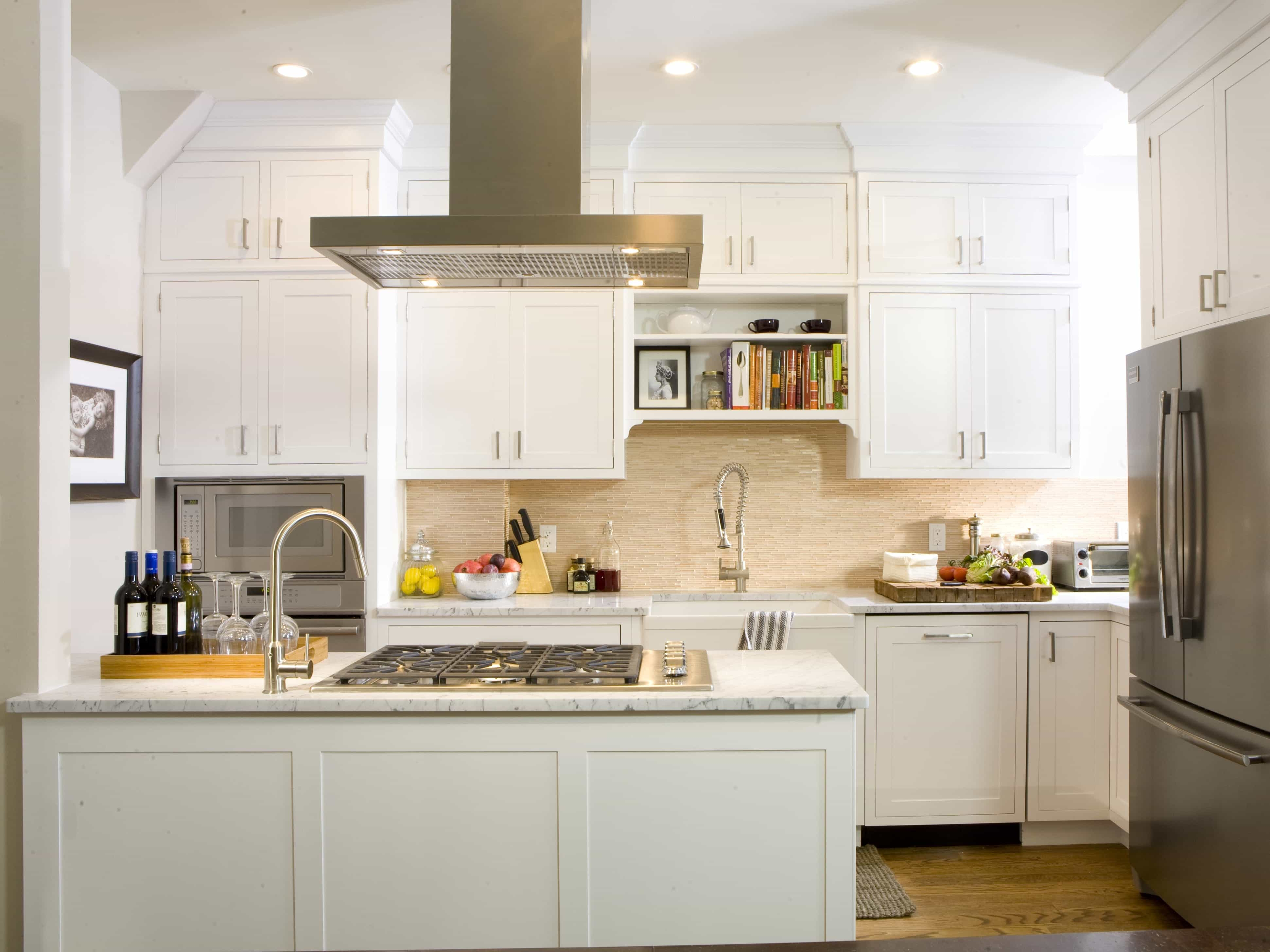 White Transitional Kitchen Cabinets With Marble Countertops (Image 25 of 26)