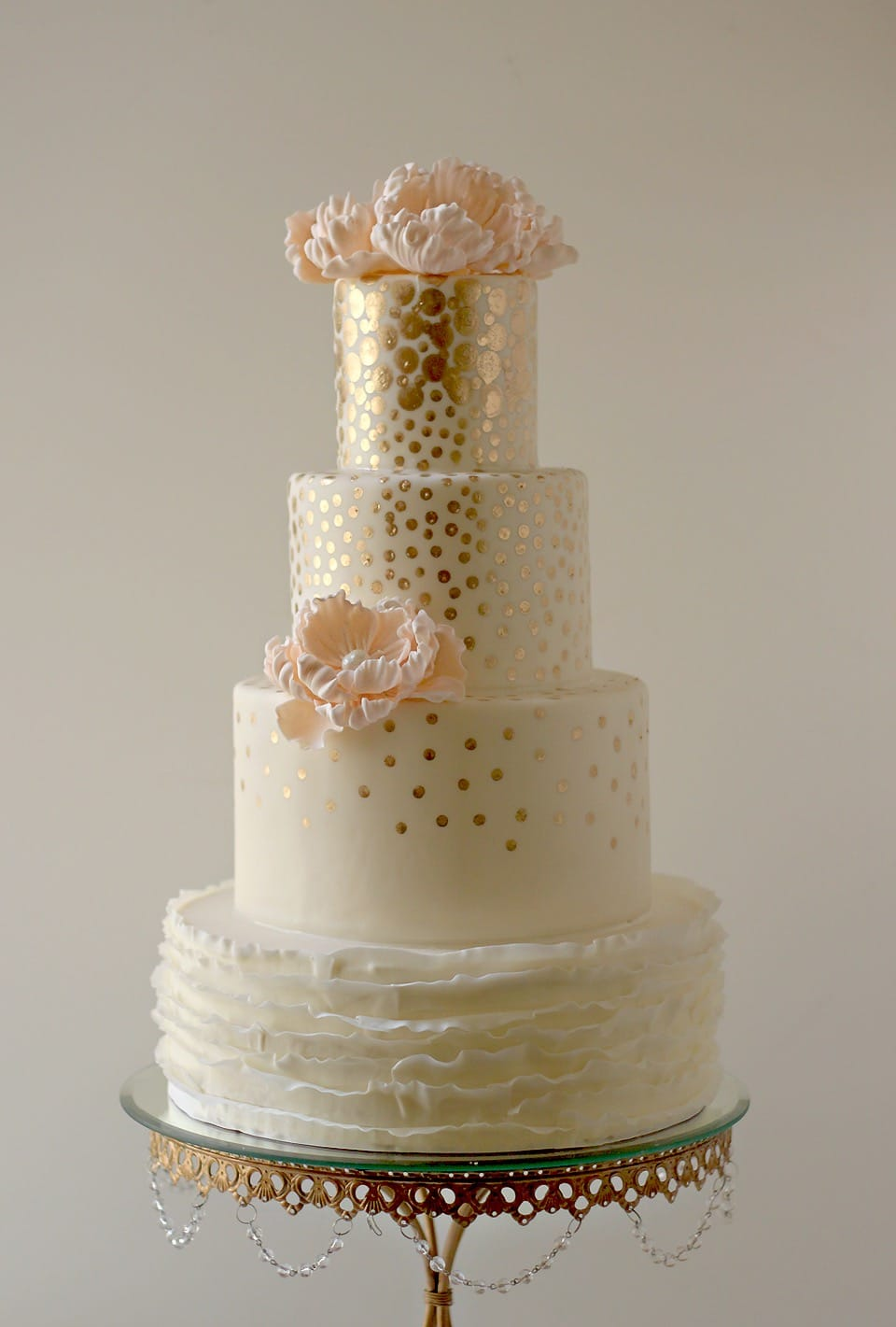 White And Gold Couture Wedding Cake (View 3 of 20)