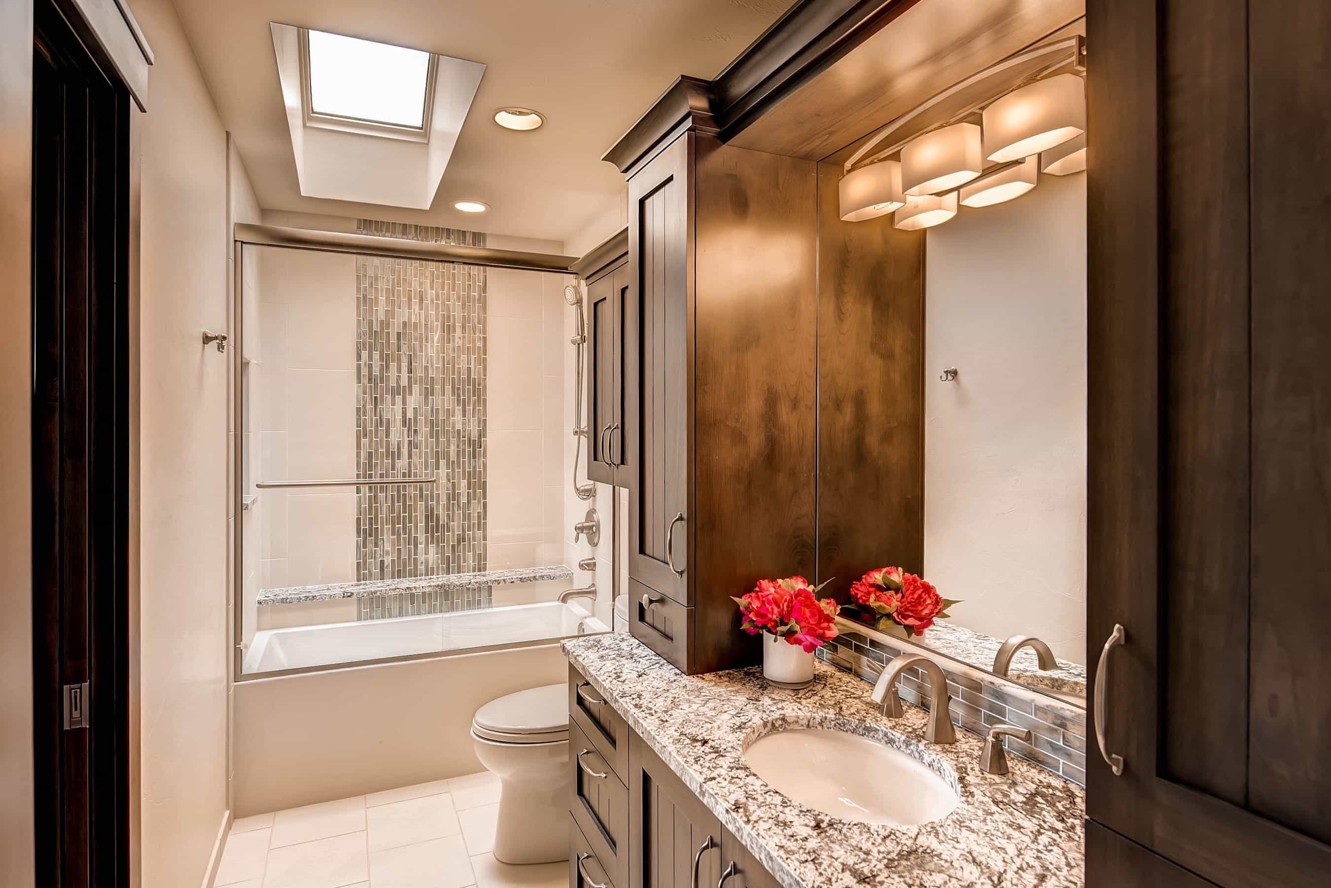 Wonderful Modern Bathroom Mirror With Contemporary Light Fixtures 2017 (Photo 1 of 20)