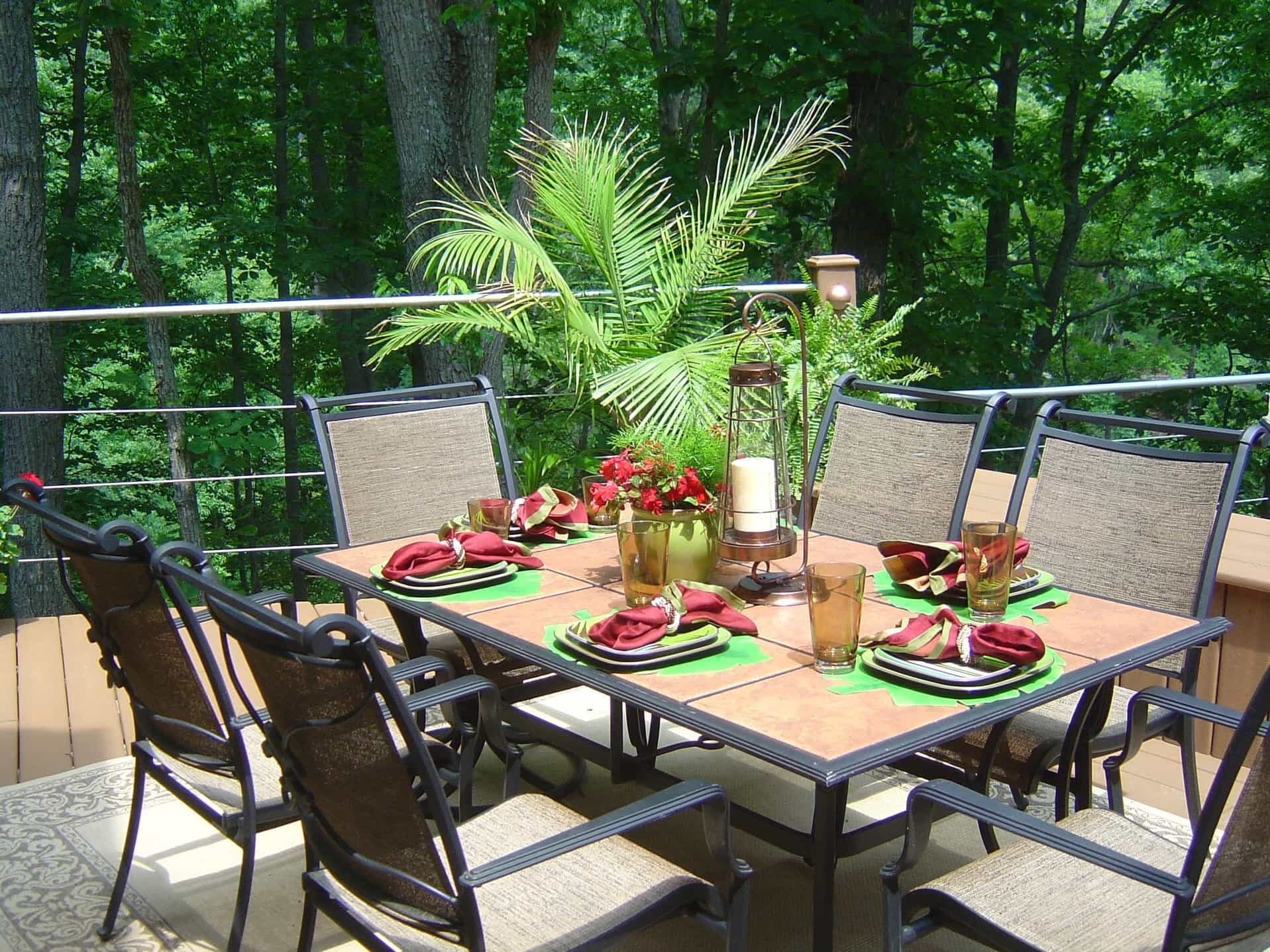 Candle And Floral Centerpieces For Romantic Outdoor Dinner At Home (View 8 of 8)