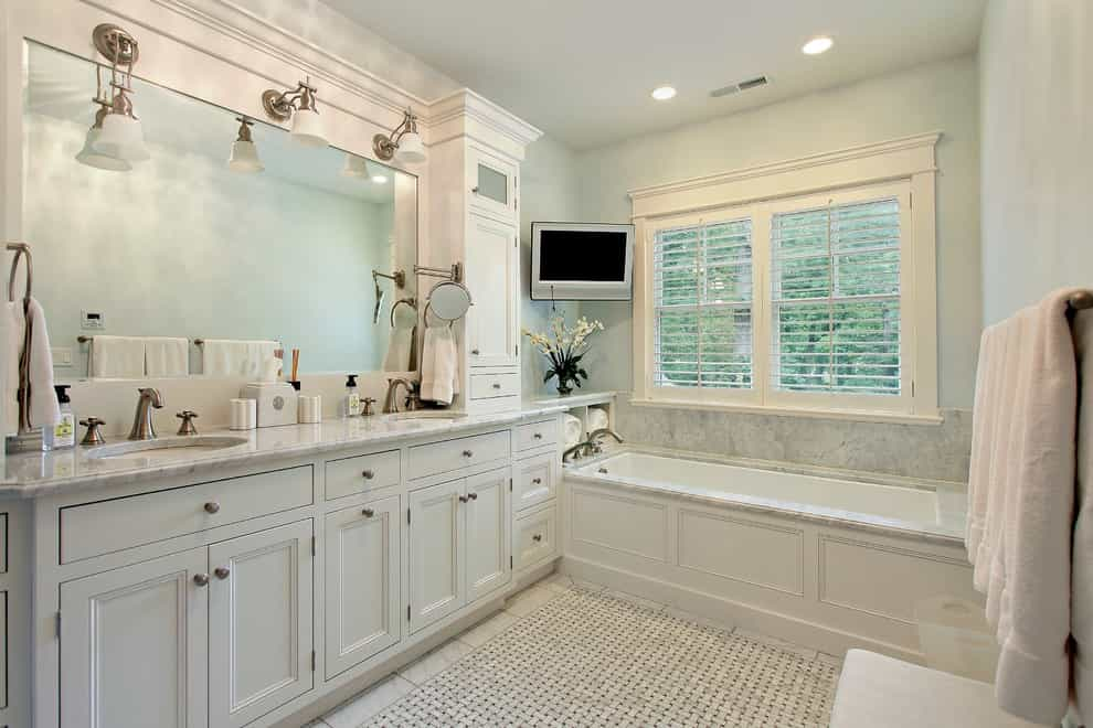 Classic Traditional Bathroom With Corner Wall Mounted TV (Image 2 of 15)
