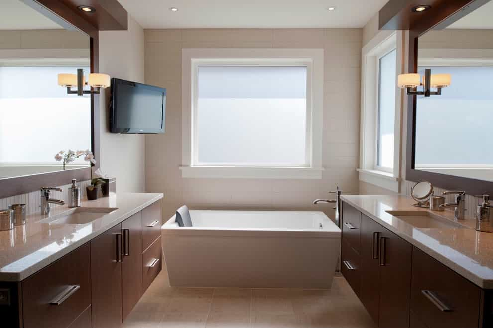 Contemporary Bathtub With Corner Wall Mounted Flat TV (Image 5 of 15)