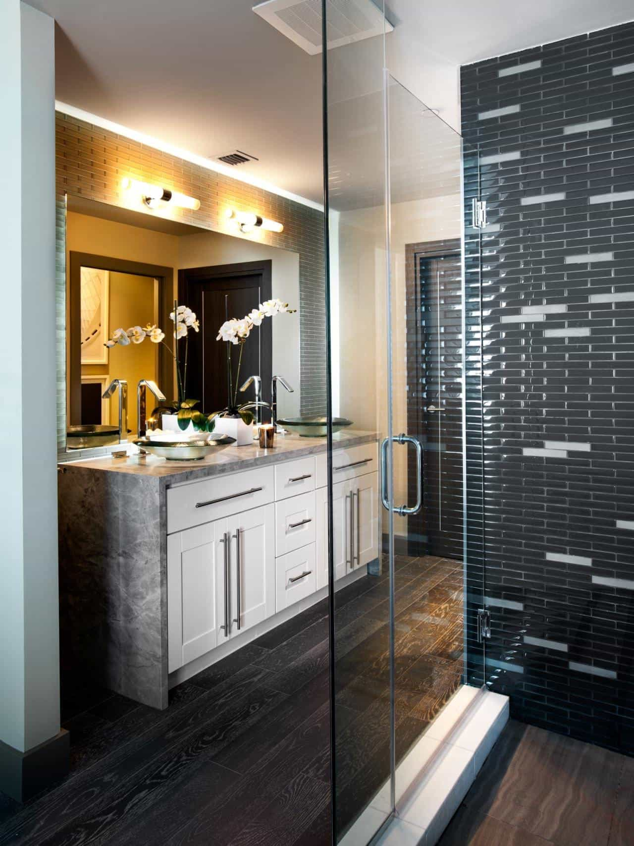 Contemporary Master Bathroom With Hardwood Floor And Black Ceramic Tiles (View 4 of 10)
