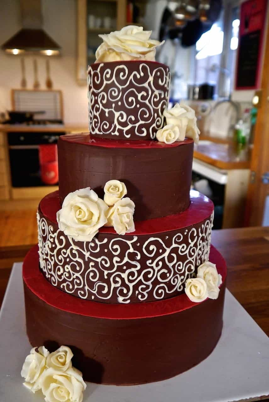 Dark Chocolate Wedding Cake With White Chocolate Roses (View 19 of 30)