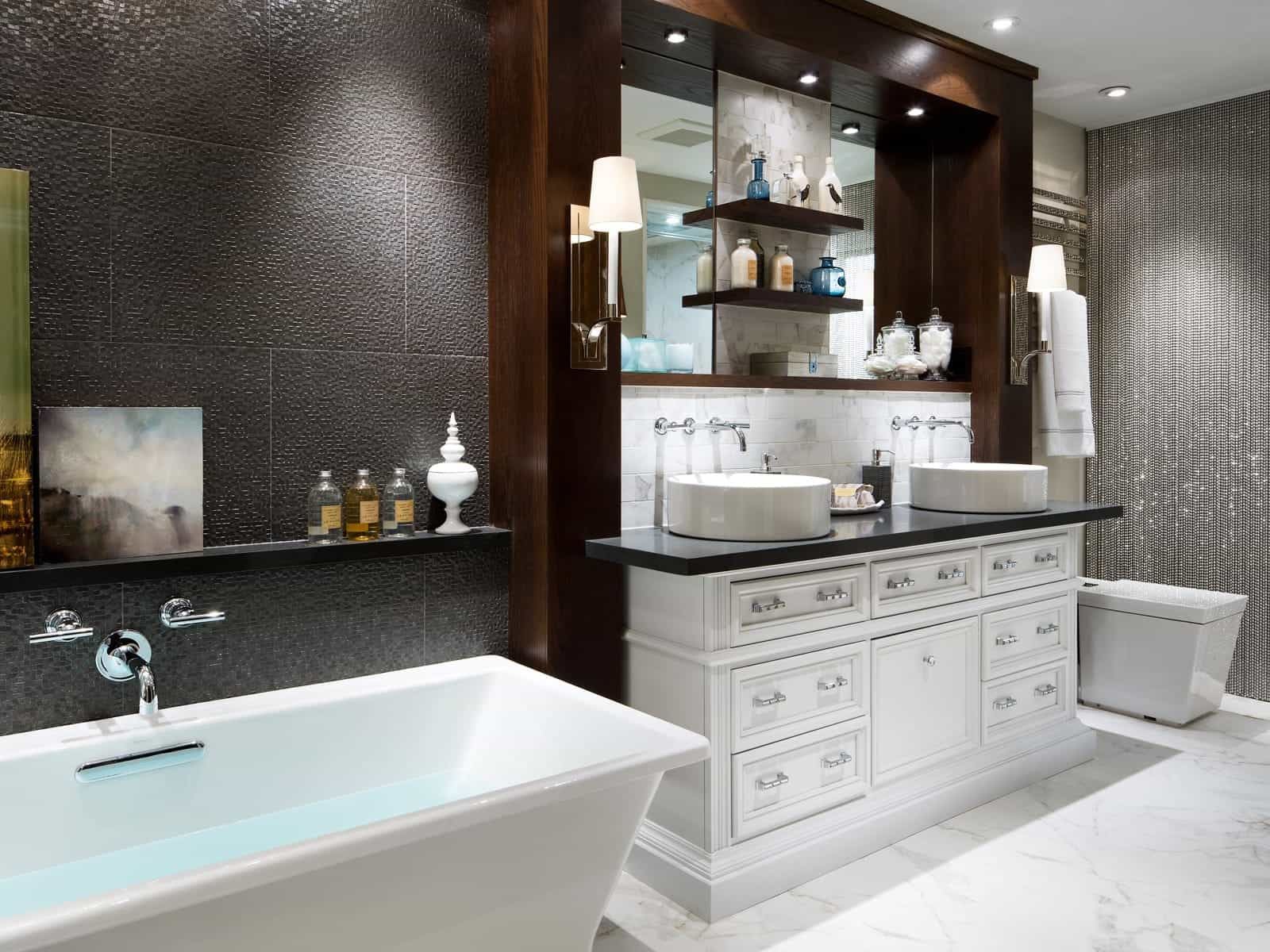 Deluxe Black Colored Baathroom Interior In Elegance Design (View 5 of 10)