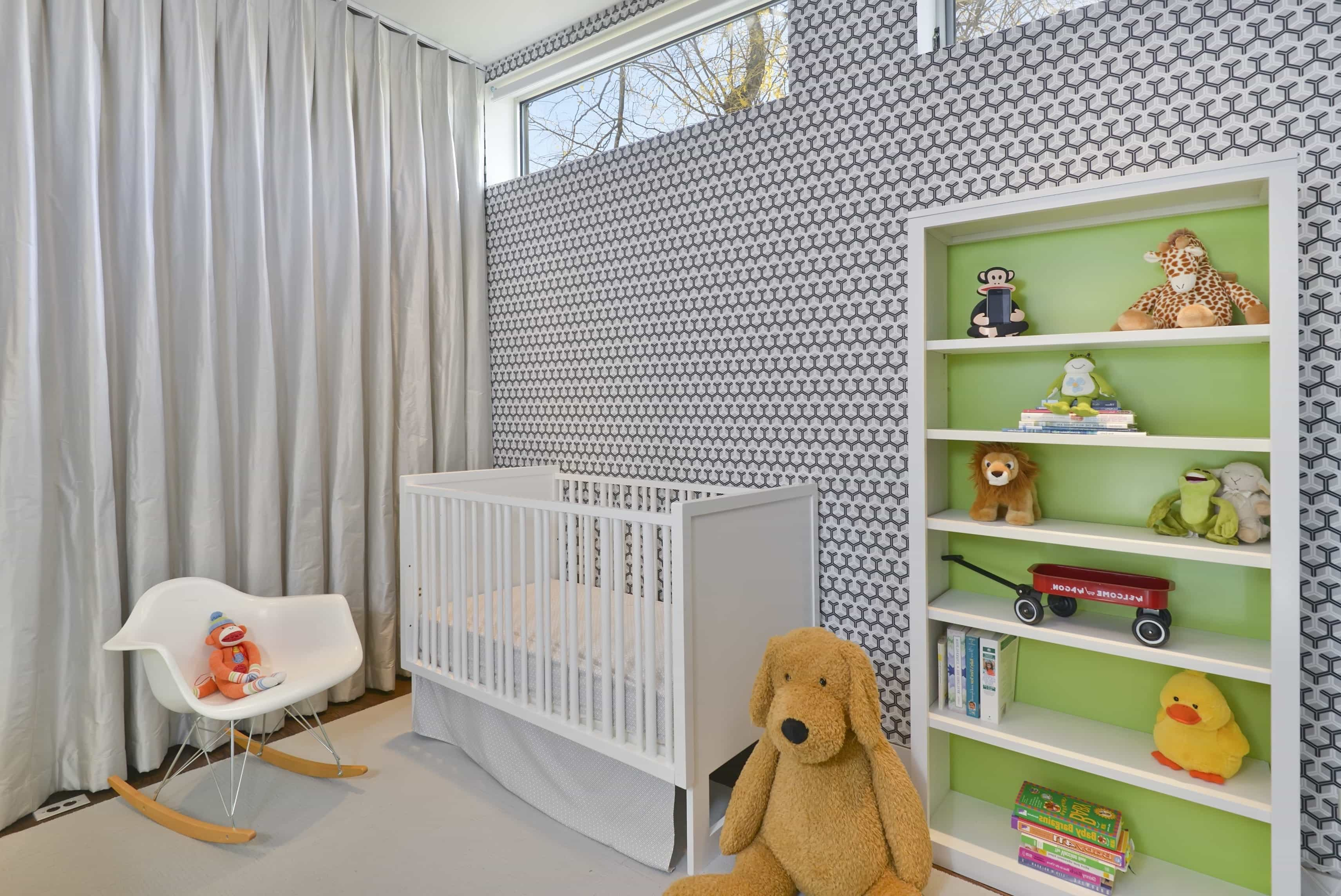 Modern Baby Room Decor Boasts Geometric Wallpaper (Image 22 of 33)
