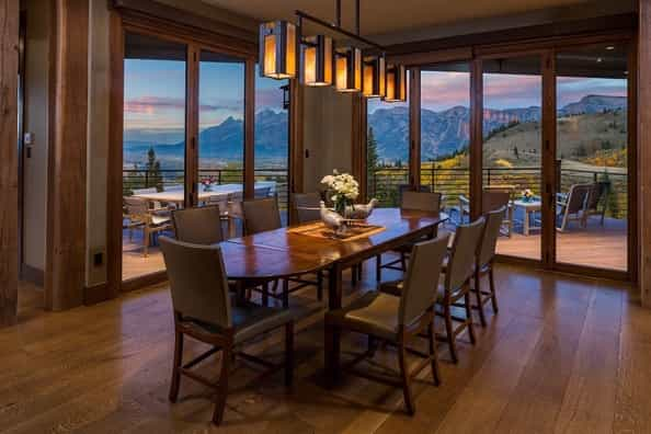 Featured Image of 2017 Modern Rustic Dining Room With Large Glass Door