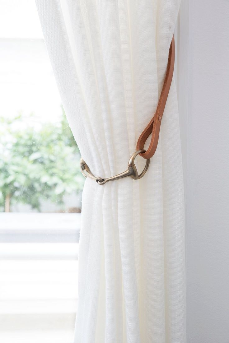 25 Best Ideas About White Linen Curtains On Pinterest White Pertaining To Plain Linen Curtains (View 6 of 15)