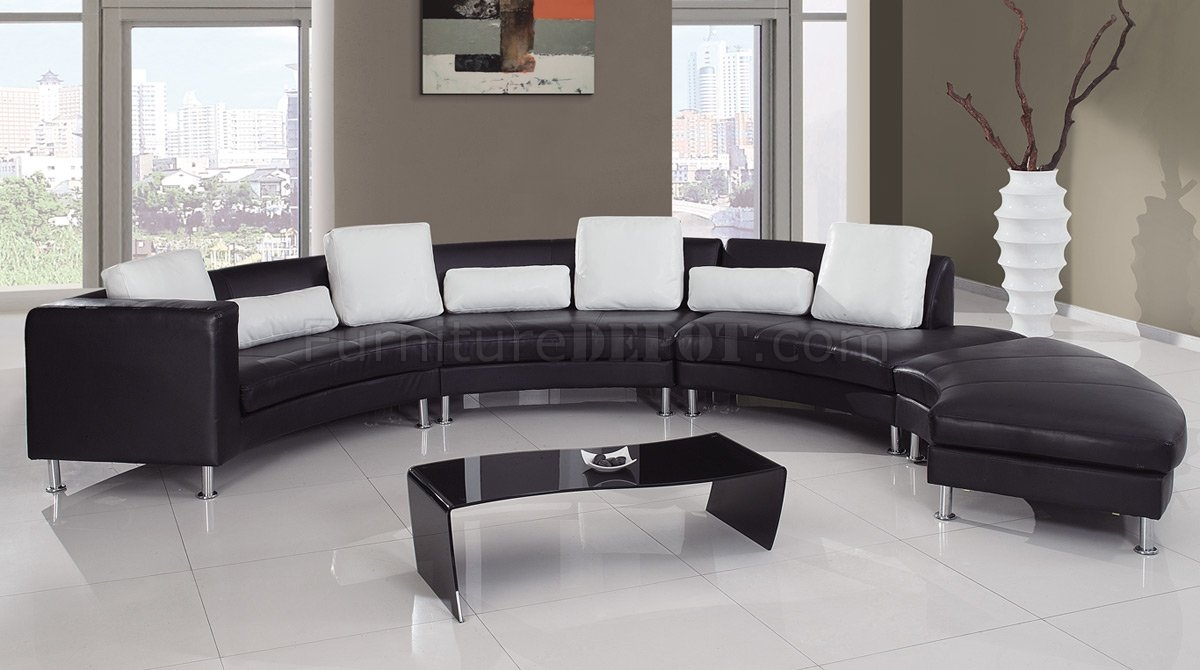 919 Sectional Sofa In Blackwhite Leather Global Furniture Throughout Black And White Sectional Sofa (View 6 of 15)
