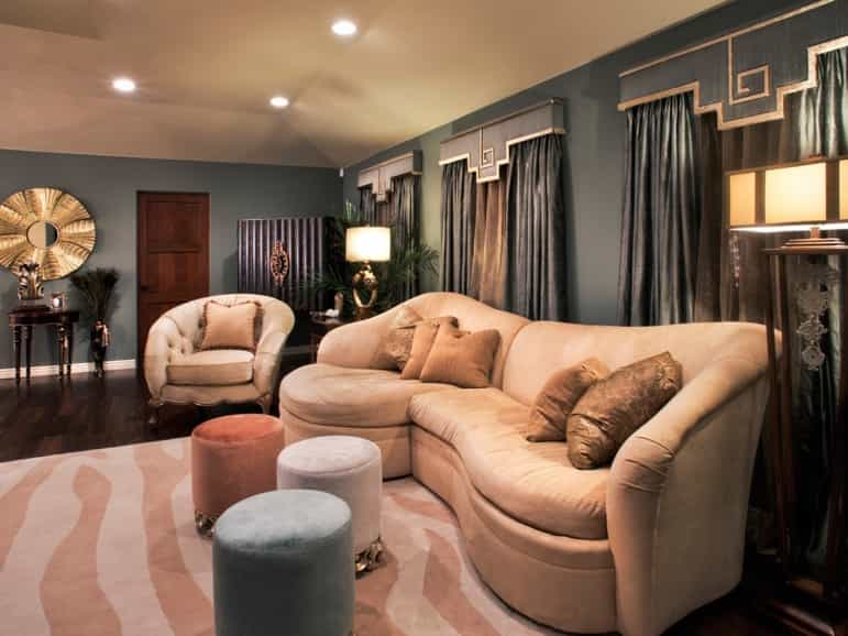 Featured Image of Art Deco Living Room With Pink Zebra Rug