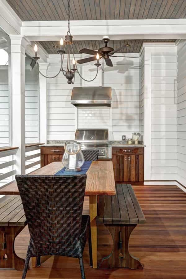 Featured Image of Beach House Front Porch With Built In Grill And Cooking Area