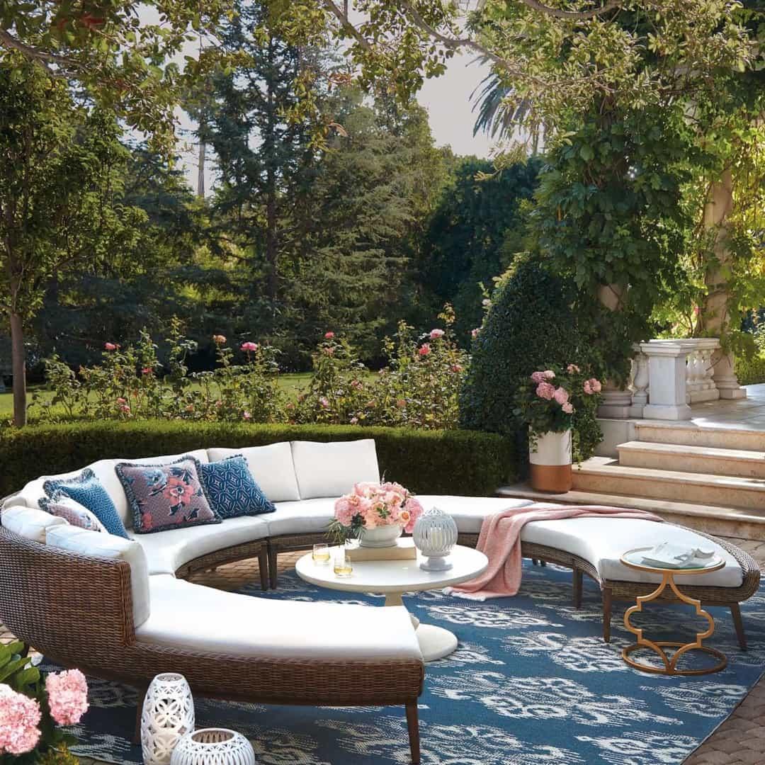 Featured Image of Beautiful Parisian Inspired Garden Setting
