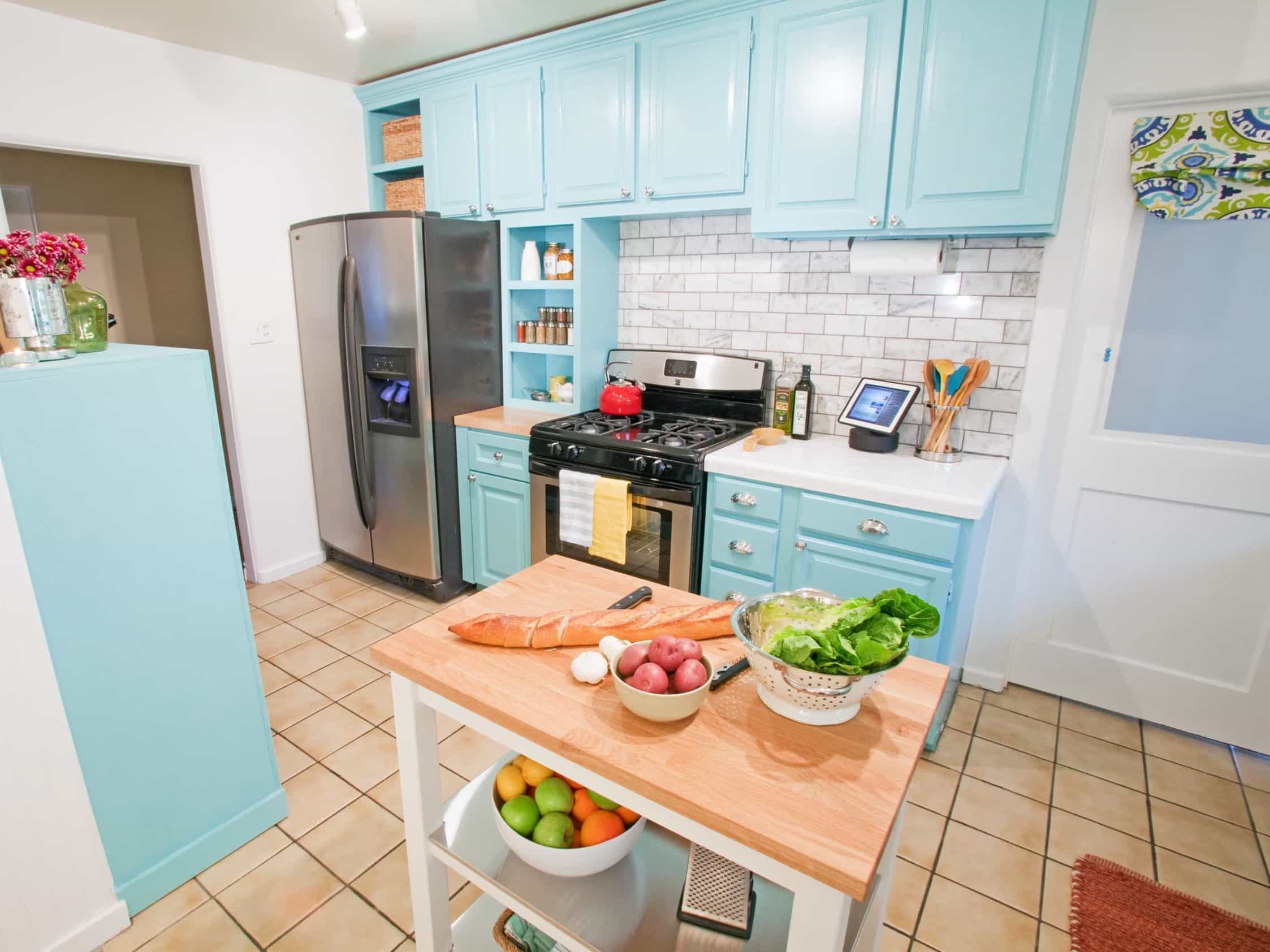 Featured Image of Blue And White Coastal Kitchen