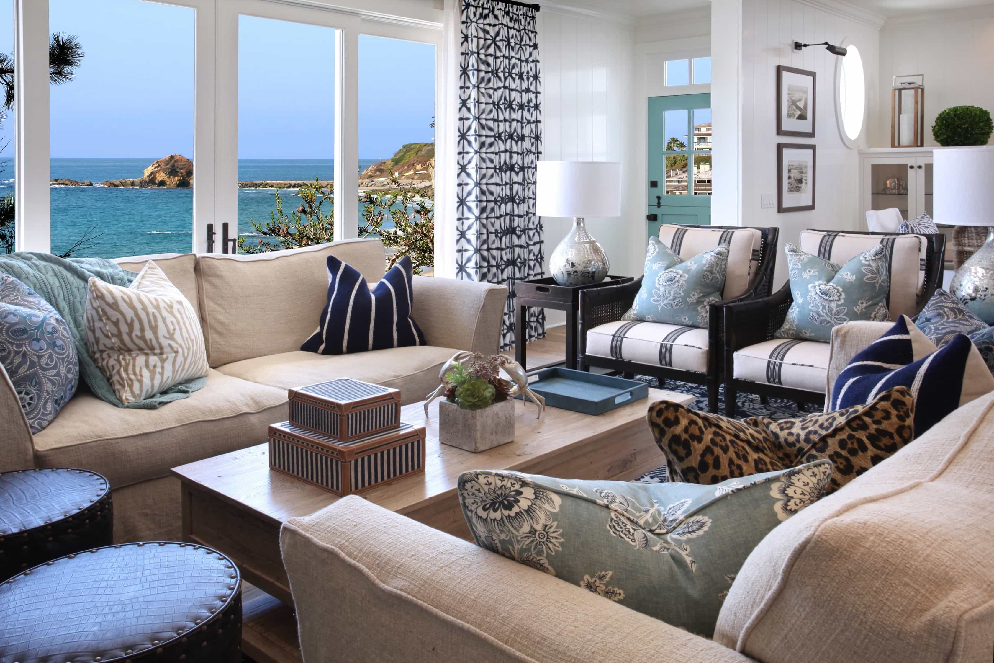 Featured Image of Blue And White Coastal Living Room With Ocean View