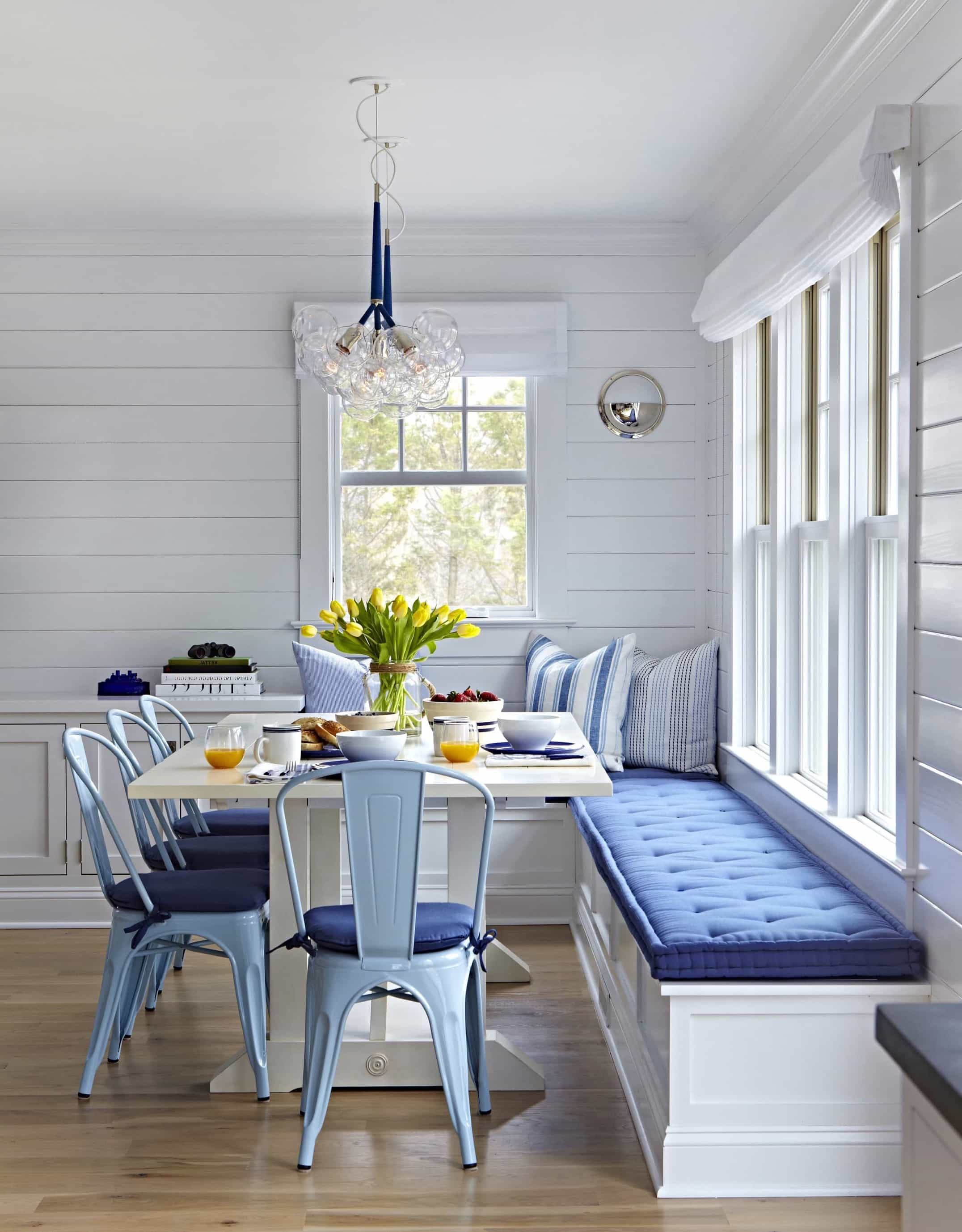 Featured Image of Breakfast Nook In Blue And White